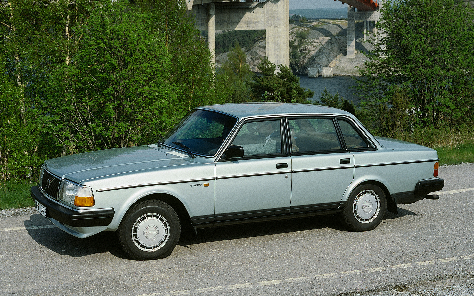 Volvo 240 GL (1986) Wallpapers and HD Images - Car Pixel