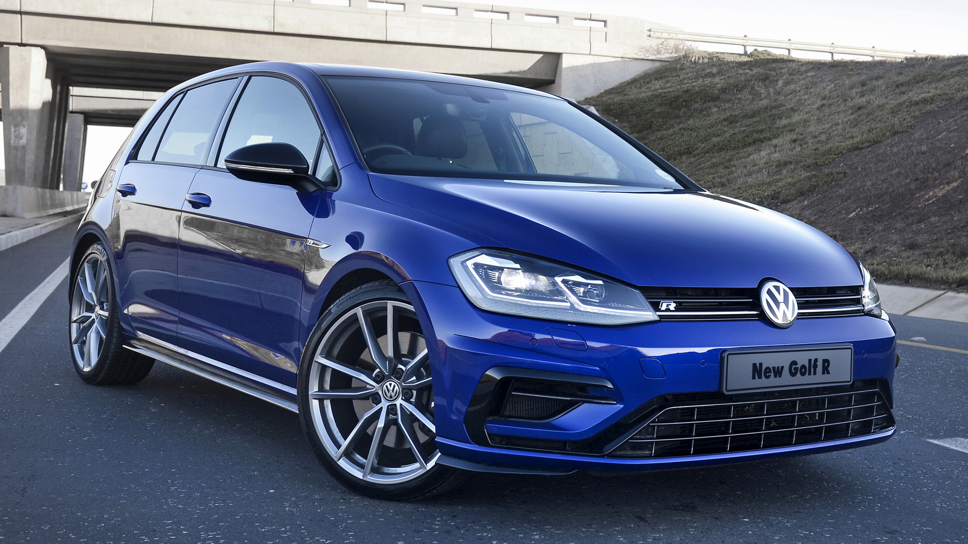 2017 Volkswagen Golf R 5 Door Za Wallpapers And Hd