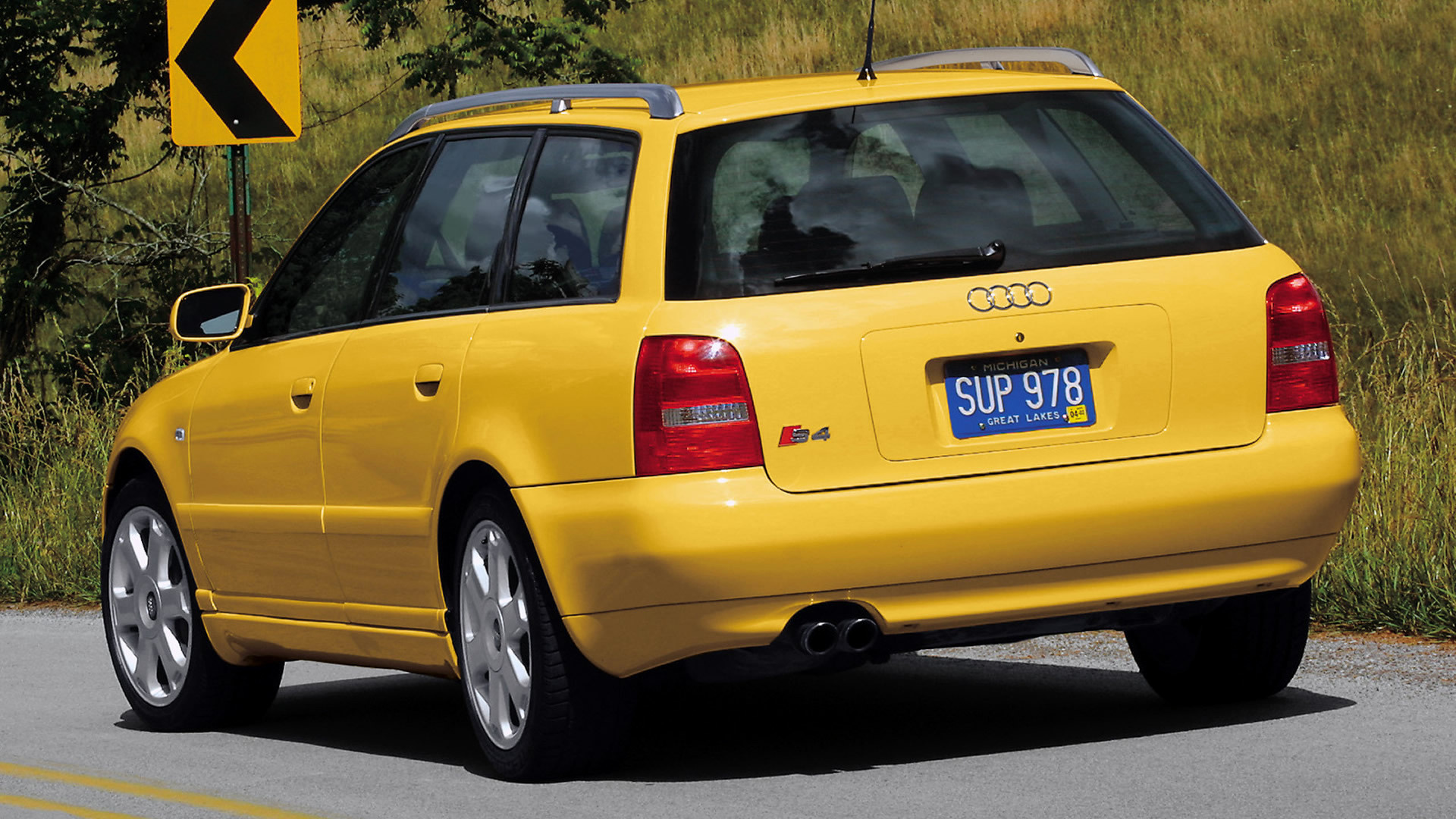 Kelebihan Audi S4 2000 Perbandingan Harga