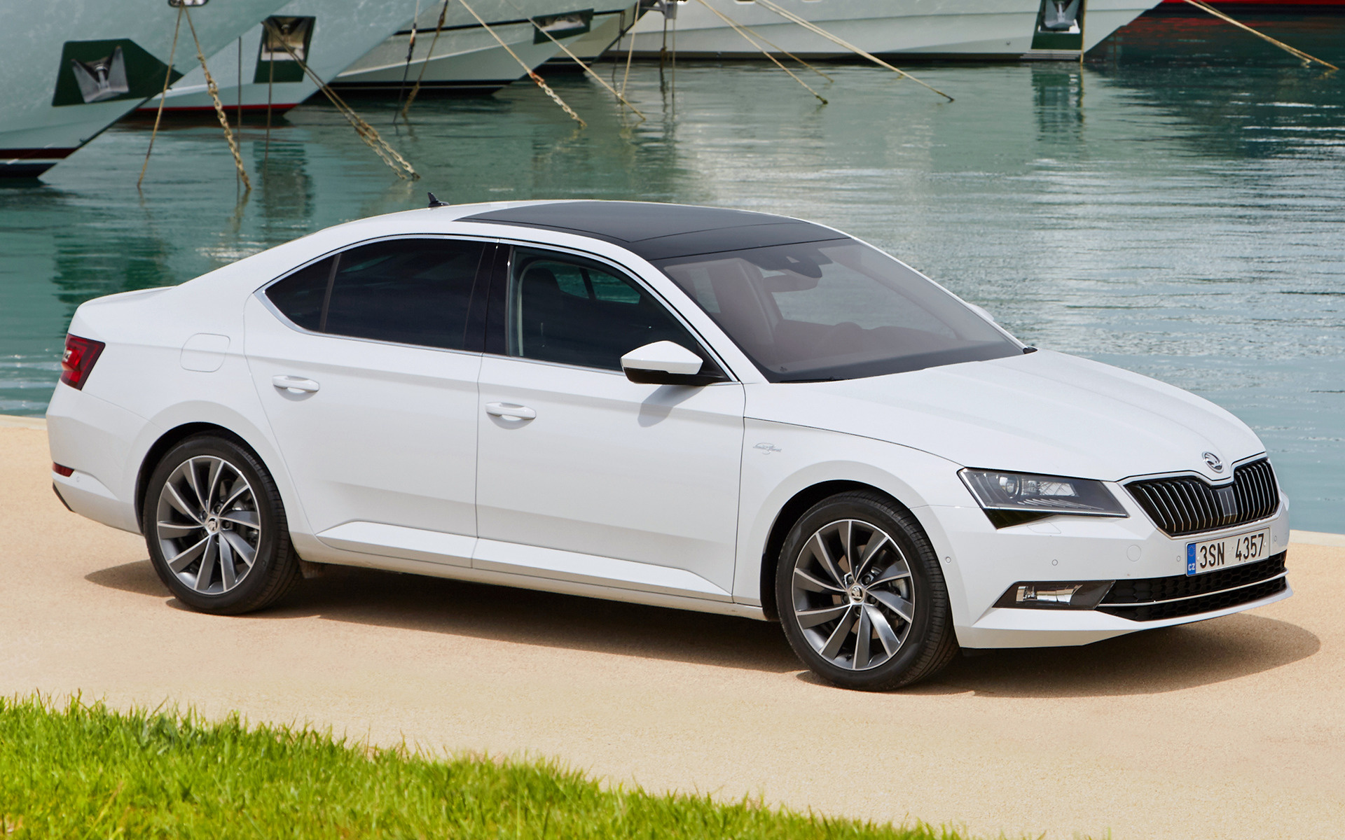 Skoda Superb Laurin & Klement (2015) Wallpapers and HD ...