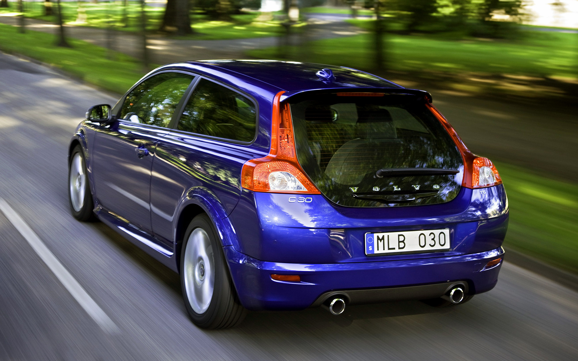 Volvo C30 R-Design (2008) Wallpapers and HD Images - Car Pixel