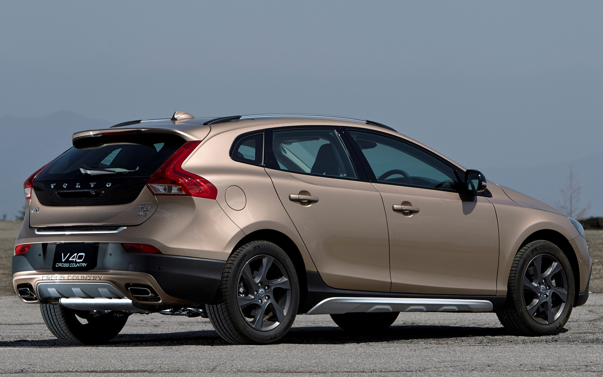 volvo v40 cross country 2013 jp wallpapers and hd images car pixel. Black Bedroom Furniture Sets. Home Design Ideas