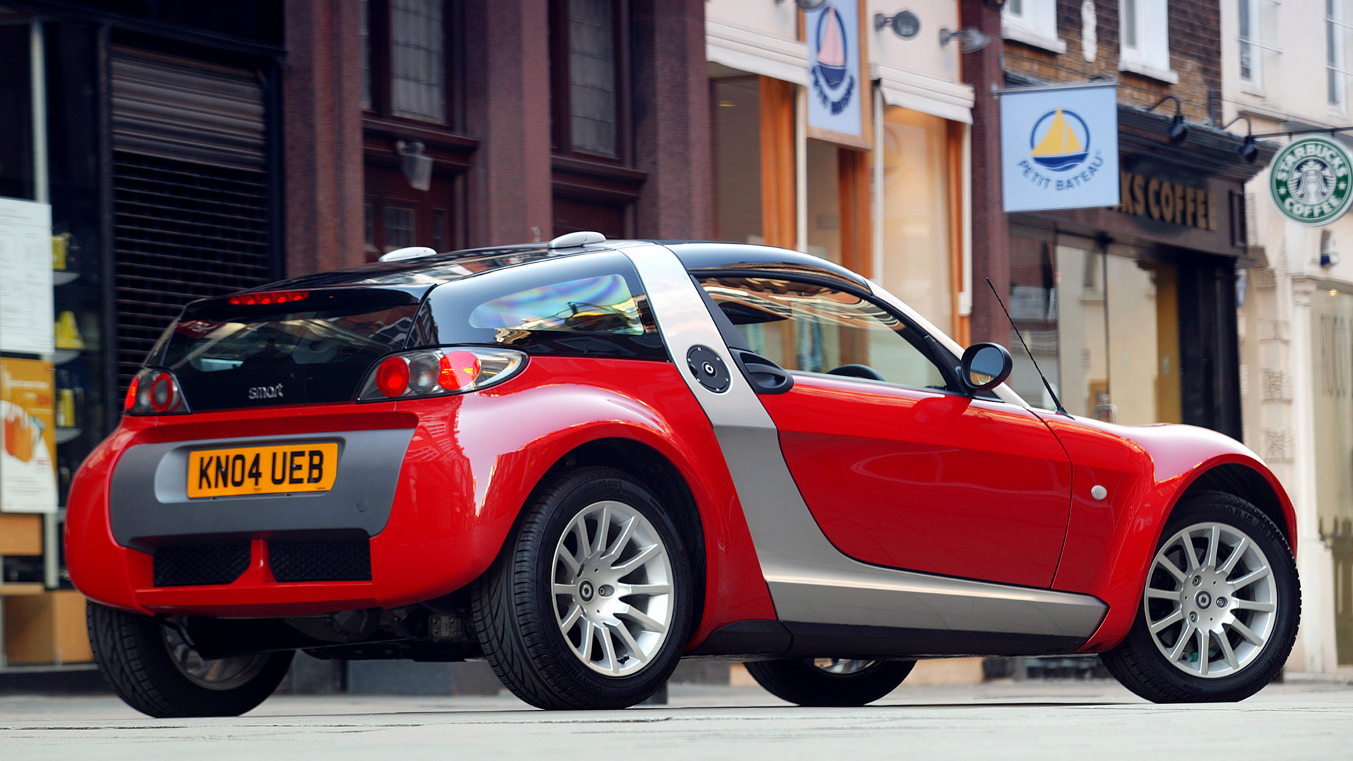 smart roadster coupe 2003 uk wallpapers and hd images. Black Bedroom Furniture Sets. Home Design Ideas