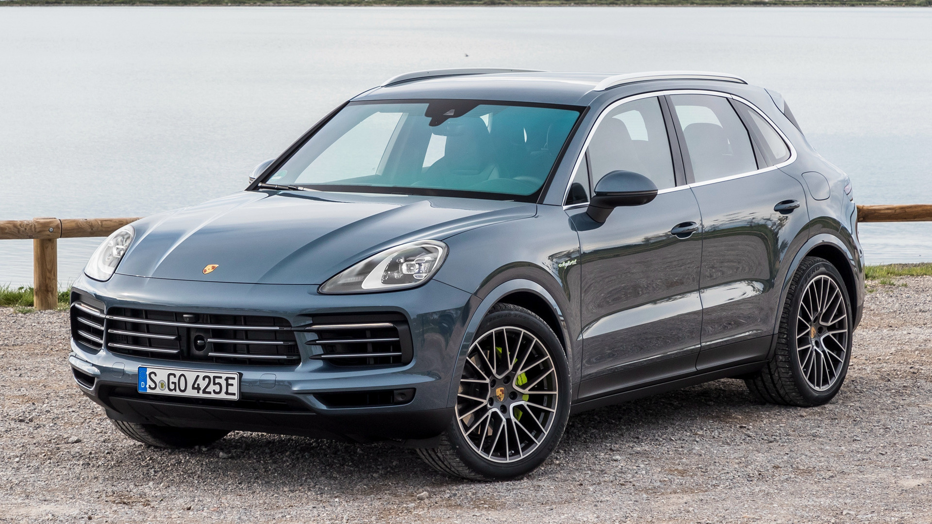 porsche cayenne e hybrid 2018 wallpapers and hd images car pixel. Black Bedroom Furniture Sets. Home Design Ideas