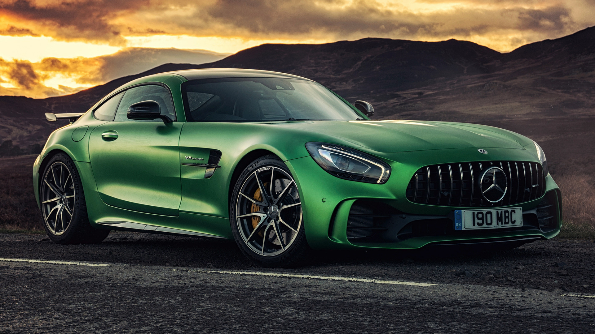 2017 Mercedes Amg Gt R Uk Wallpapers And Hd Images Car