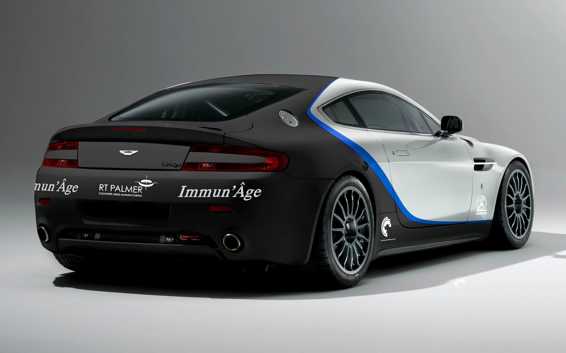 2009 Aston Martin Vantage Gt4 Wallpapers And Hd Images Car Pixel