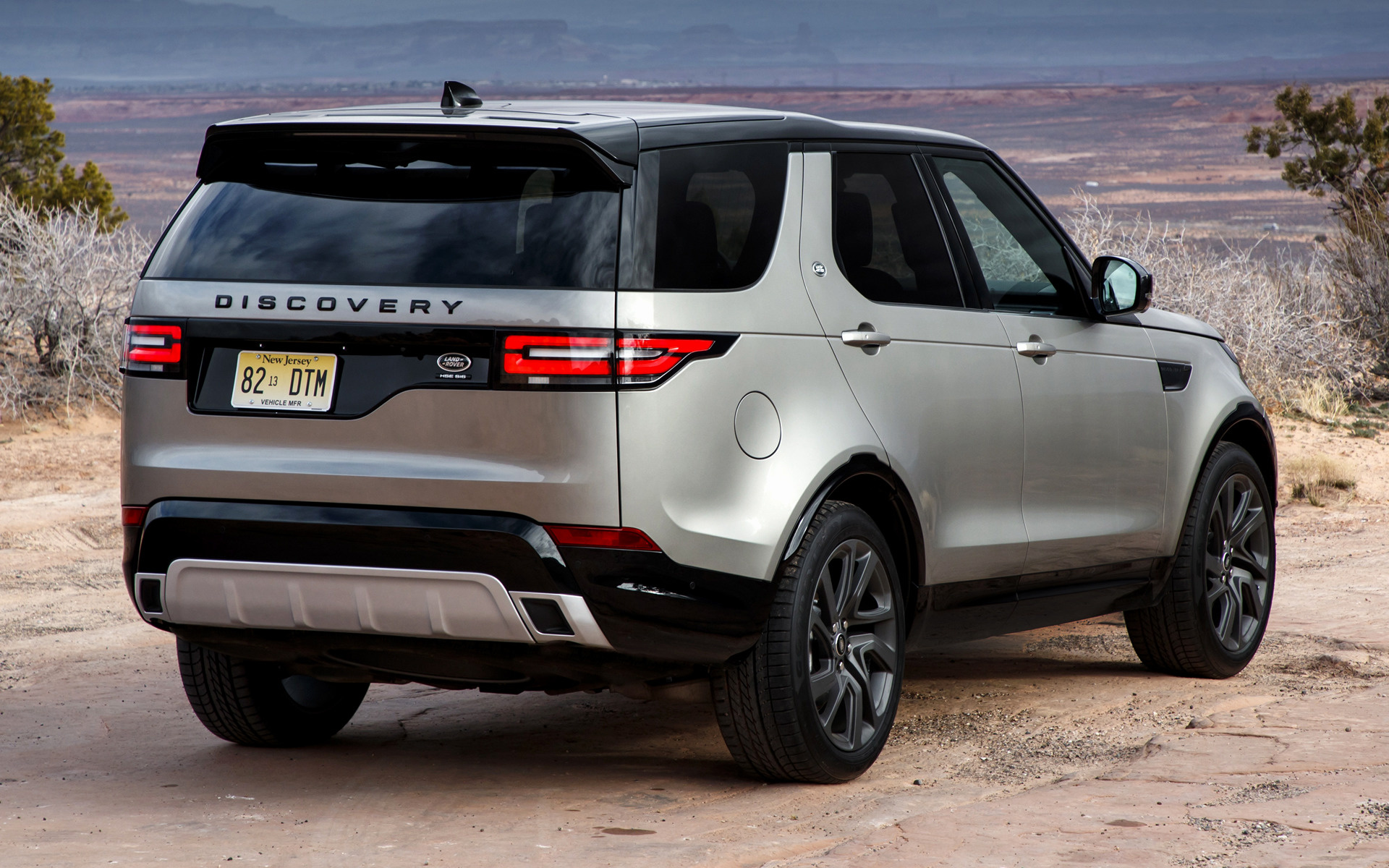 Land Rover Hse >> 2017 Land Rover Discovery Dynamic Design Pack (US ...