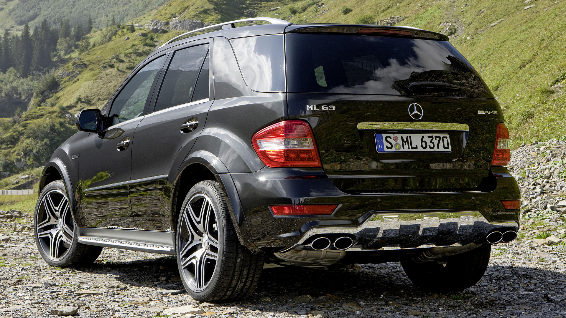 2009 mercedes benz ml 63 amg performance studio. Black Bedroom Furniture Sets. Home Design Ideas