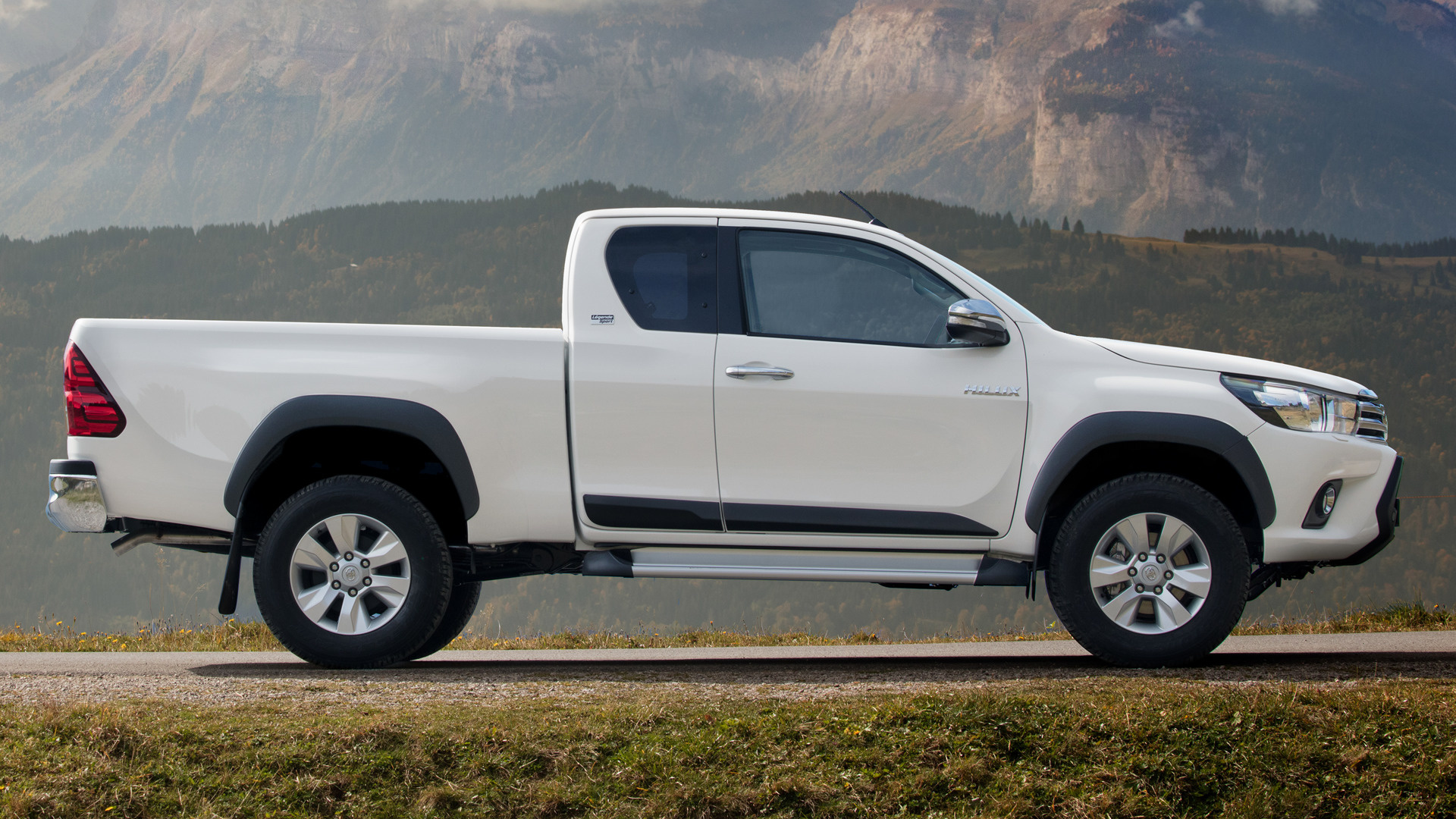 Toyota Hilux Xtra Cab Legende Sport (2018) Wallpapers and ...