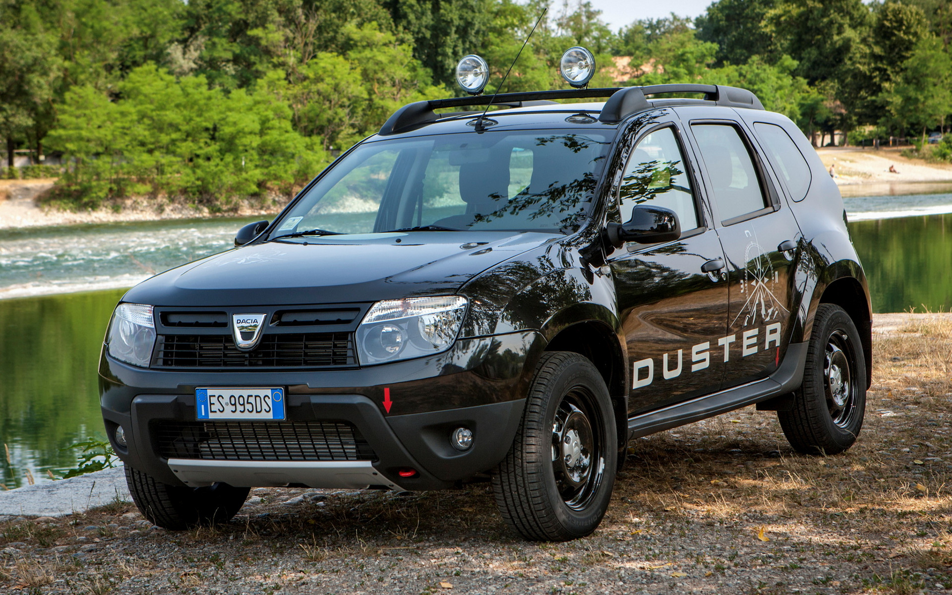 Car wallpapers dacia duster download the latest 2014 renault duster hd wallpaper pictures voltagebd Images