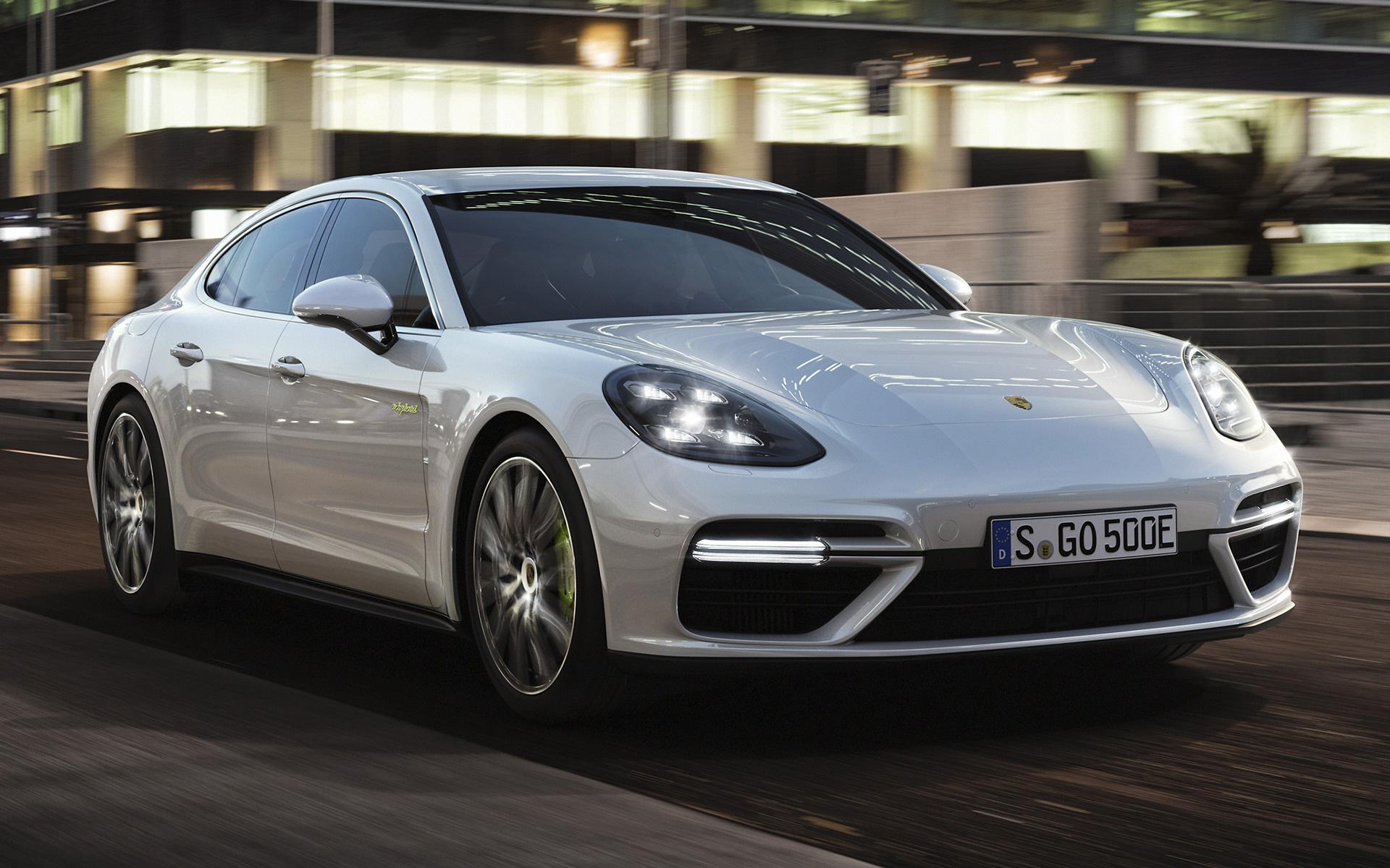 Wide 85 Porsche Panamera