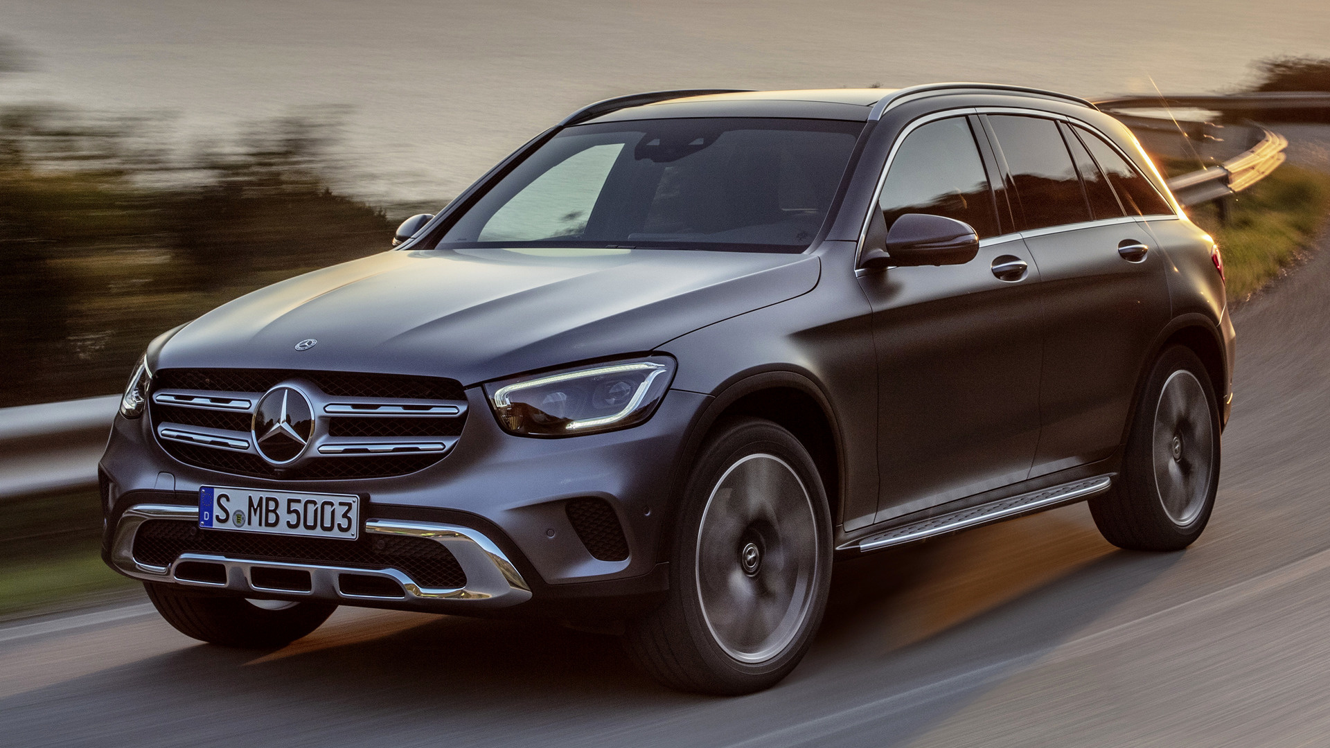 2019 mercedes benz glc class wallpapers and hd images. Black Bedroom Furniture Sets. Home Design Ideas