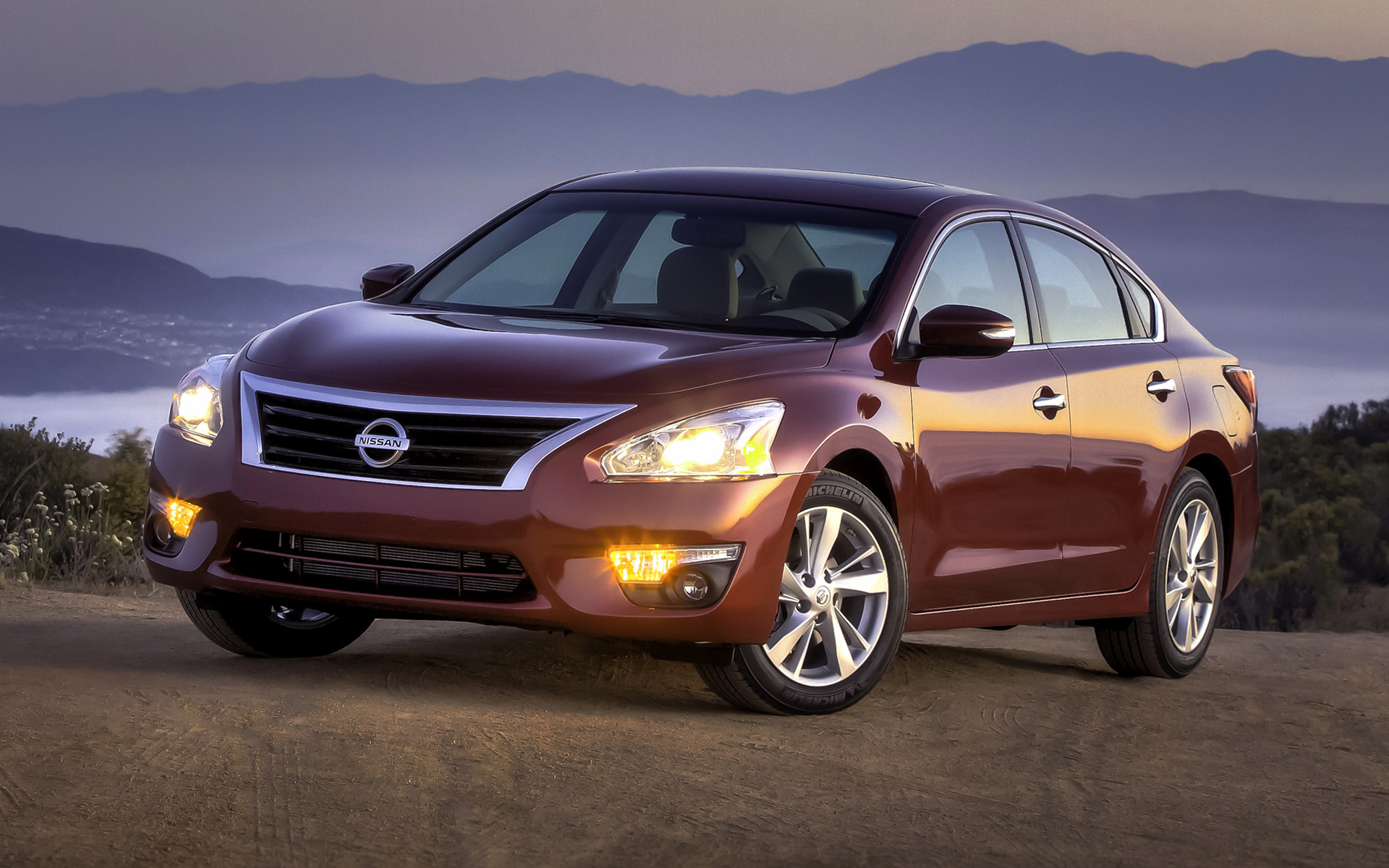 2016 Nissan Sentra Sv >> 2013 Nissan Altima SV - Wallpapers and HD Images | Car Pixel