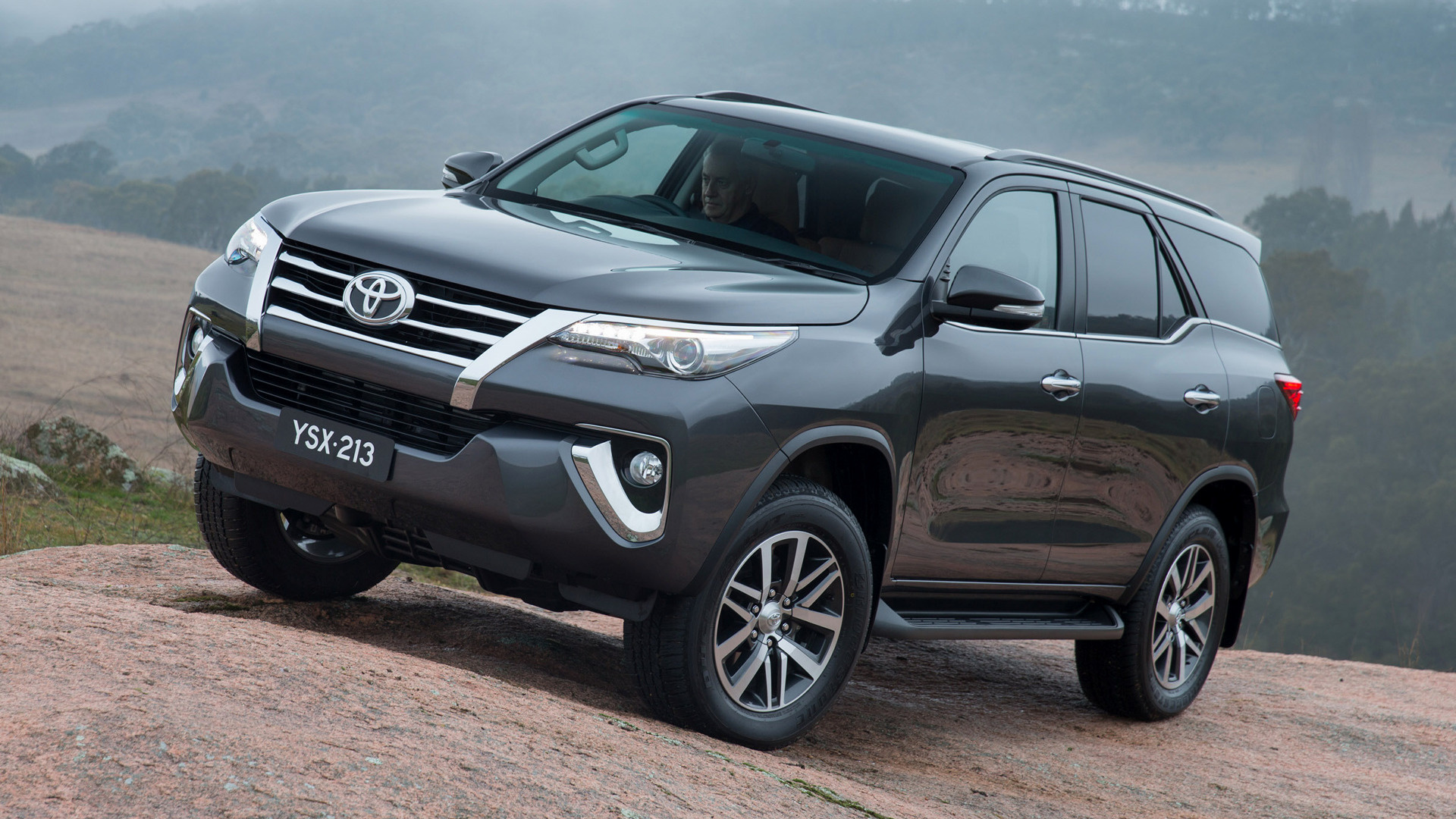 2015 Toyota Fortuner (AU) - Wallpapers and HD Images | Car ...