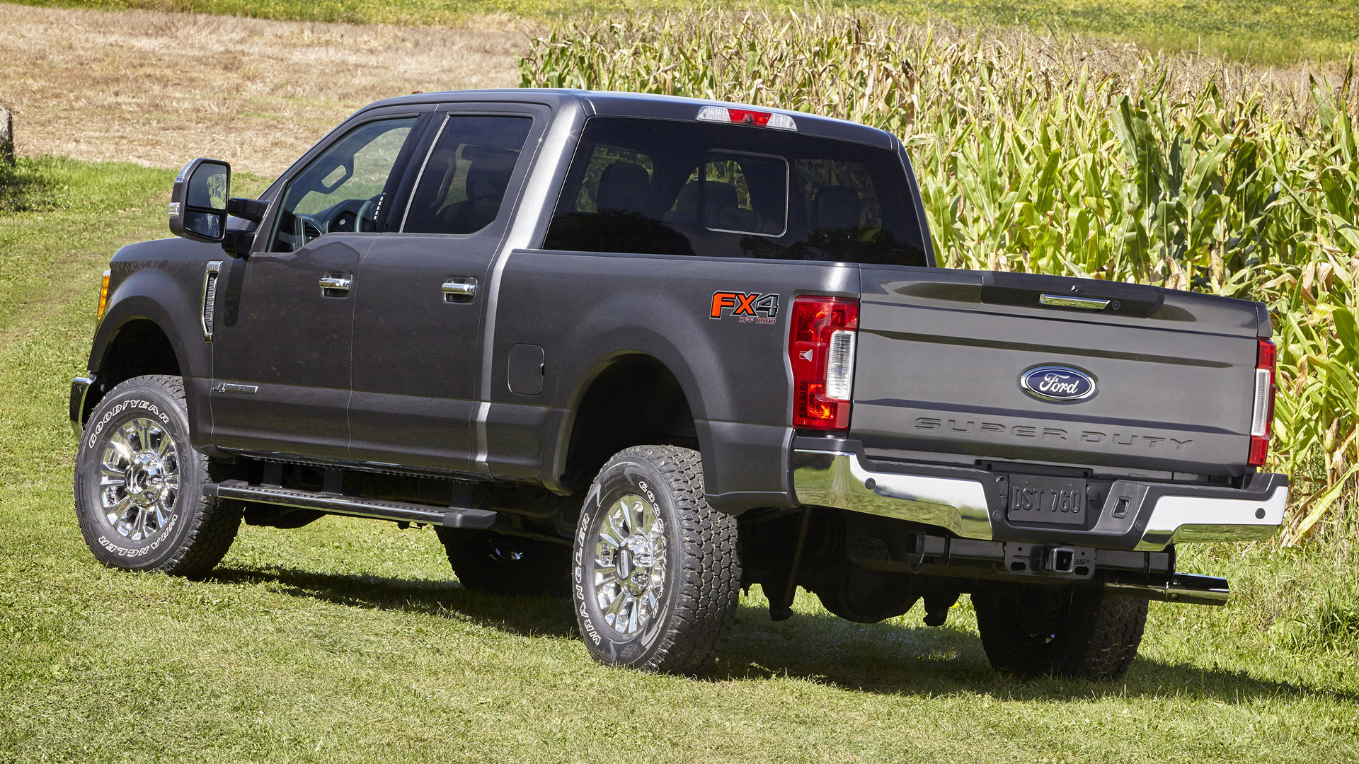 Ford F-250 XLT FX4 Crew Cab (2017) Wallpapers and HD Images - Car ...