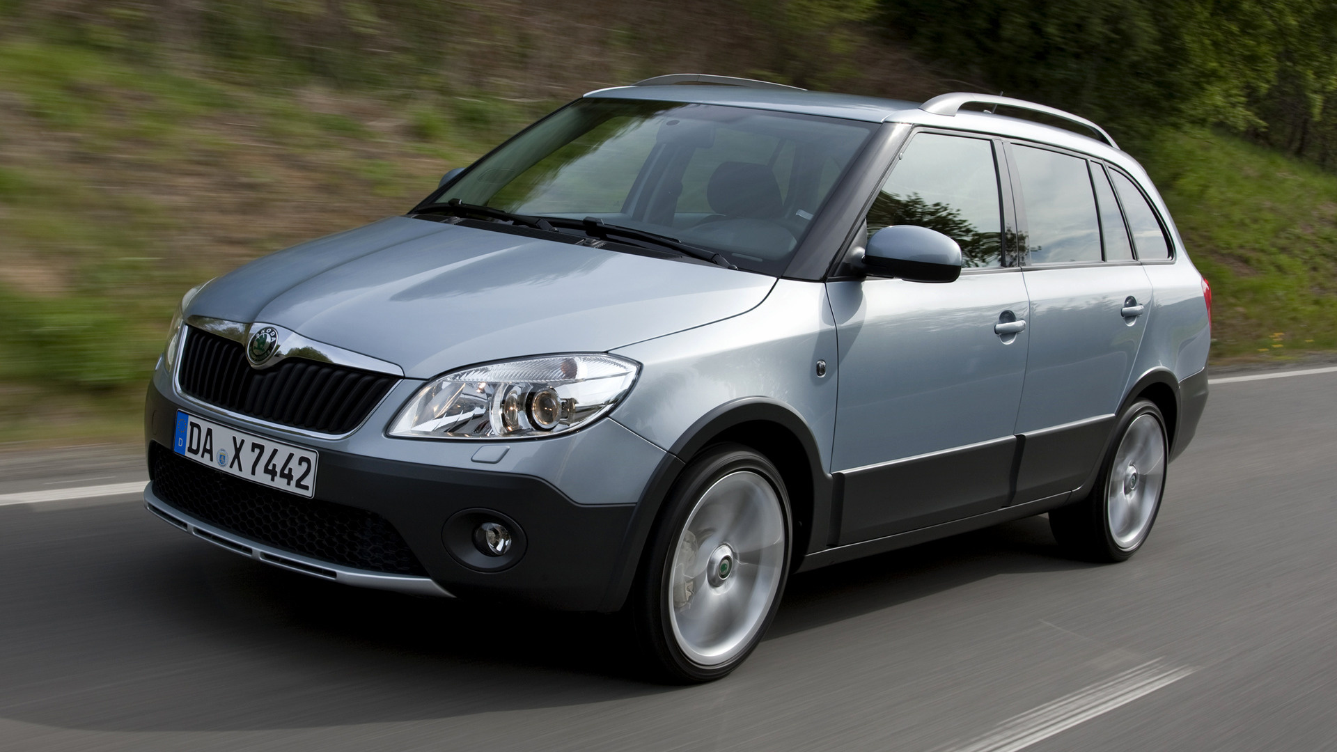 skoda fabia scout combi 2010 wallpapers and hd images. Black Bedroom Furniture Sets. Home Design Ideas