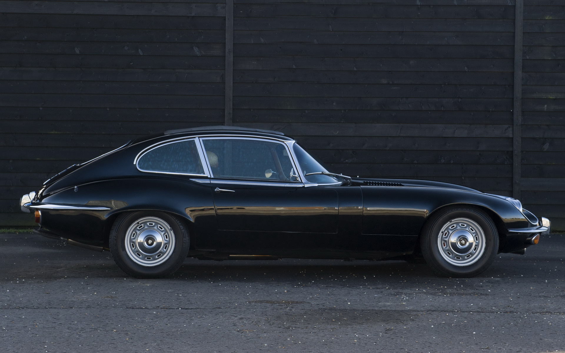 Jaguar E Type V Plus Coupe Car Wallpaper