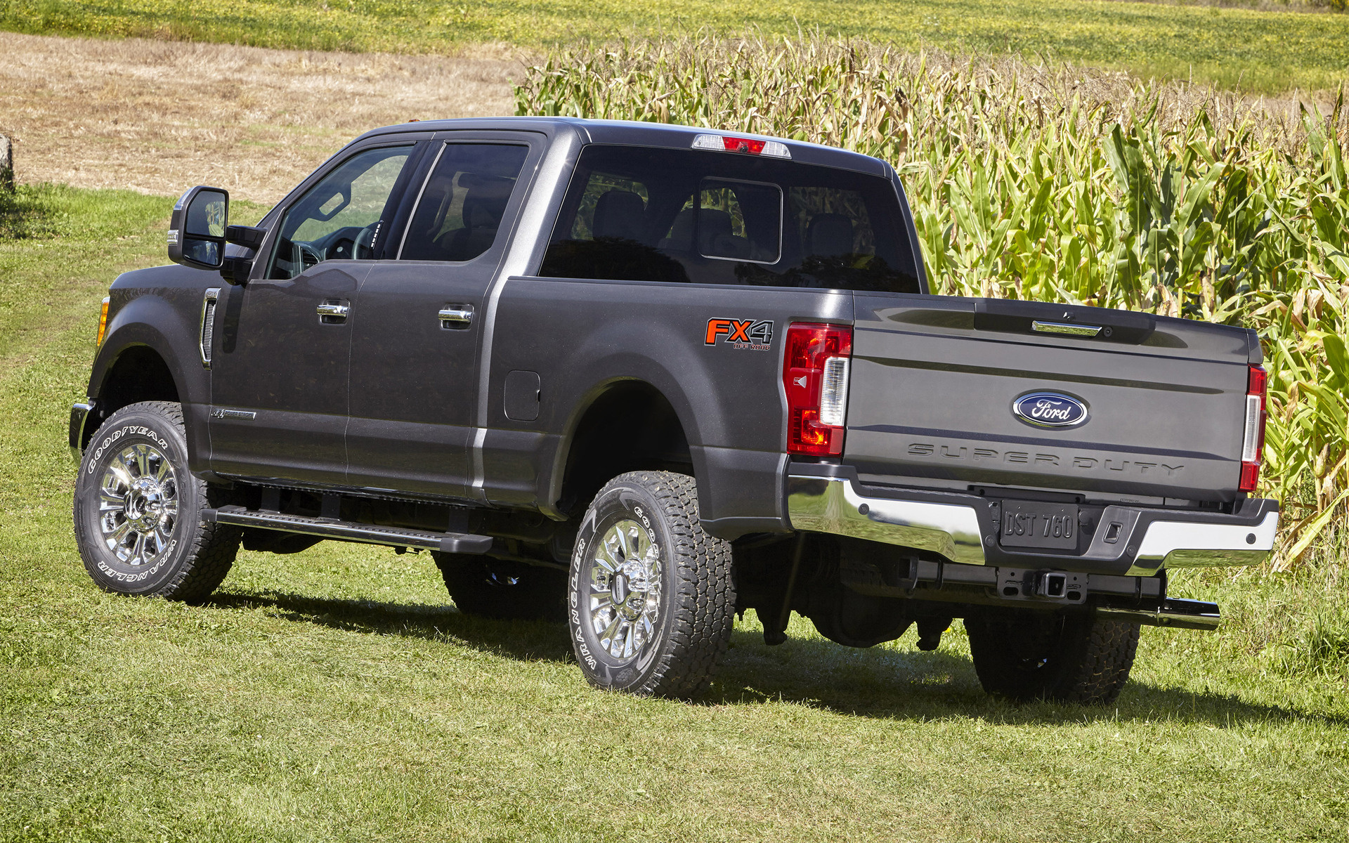 F 450 King Ranch >> 2017 Ford F-250 XLT FX4 Crew Cab - Wallpapers and HD ...
