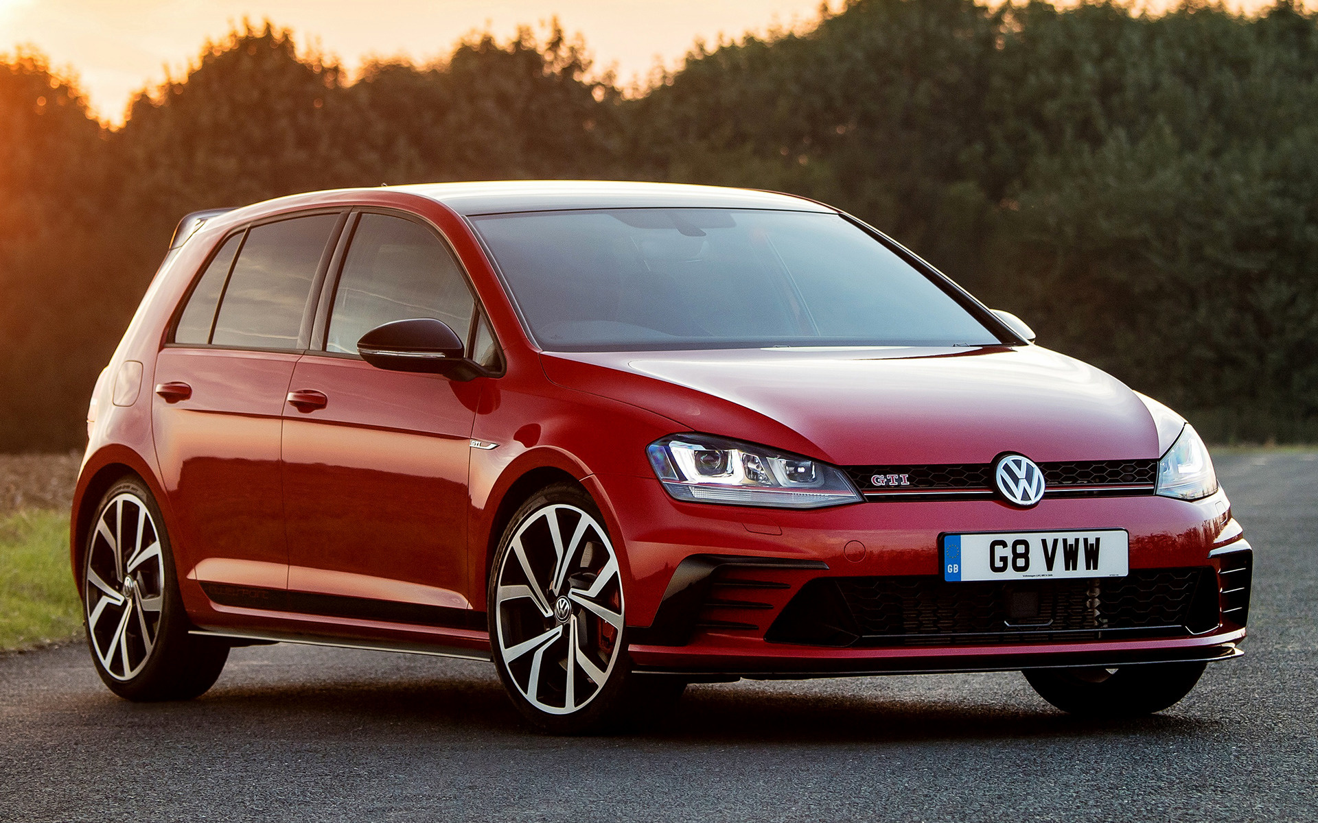 volkswagen golf gti clubsport edition 40 5 door 2016 uk wallpapers and hd images car pixel. Black Bedroom Furniture Sets. Home Design Ideas