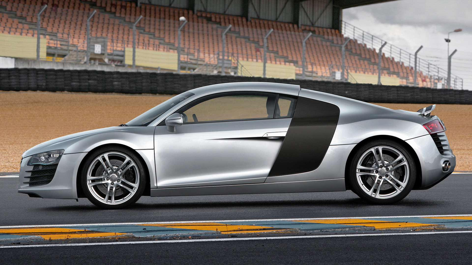 2007 Audi R8 Coupe