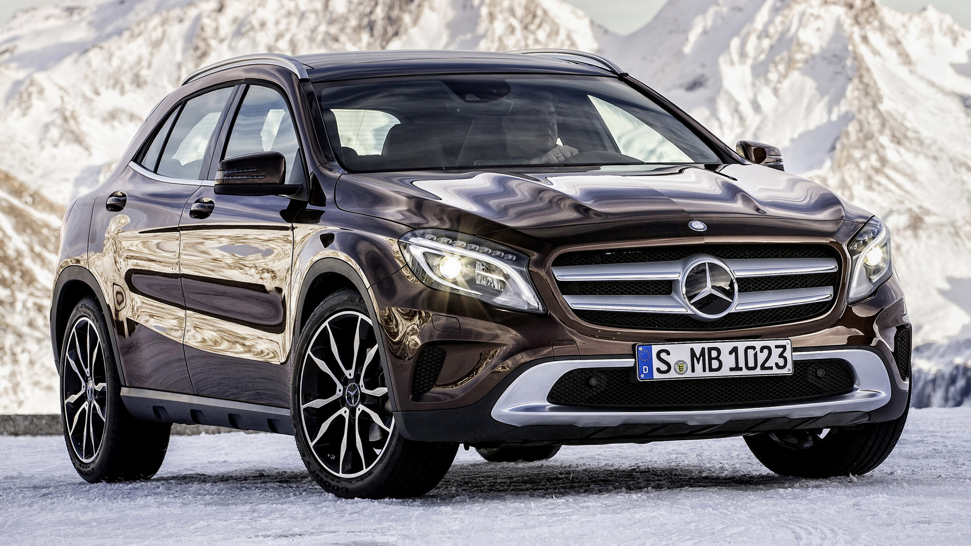 Mercedes benz gla class 2014 wallpapers and hd images for 2014 mercedes benz gla class