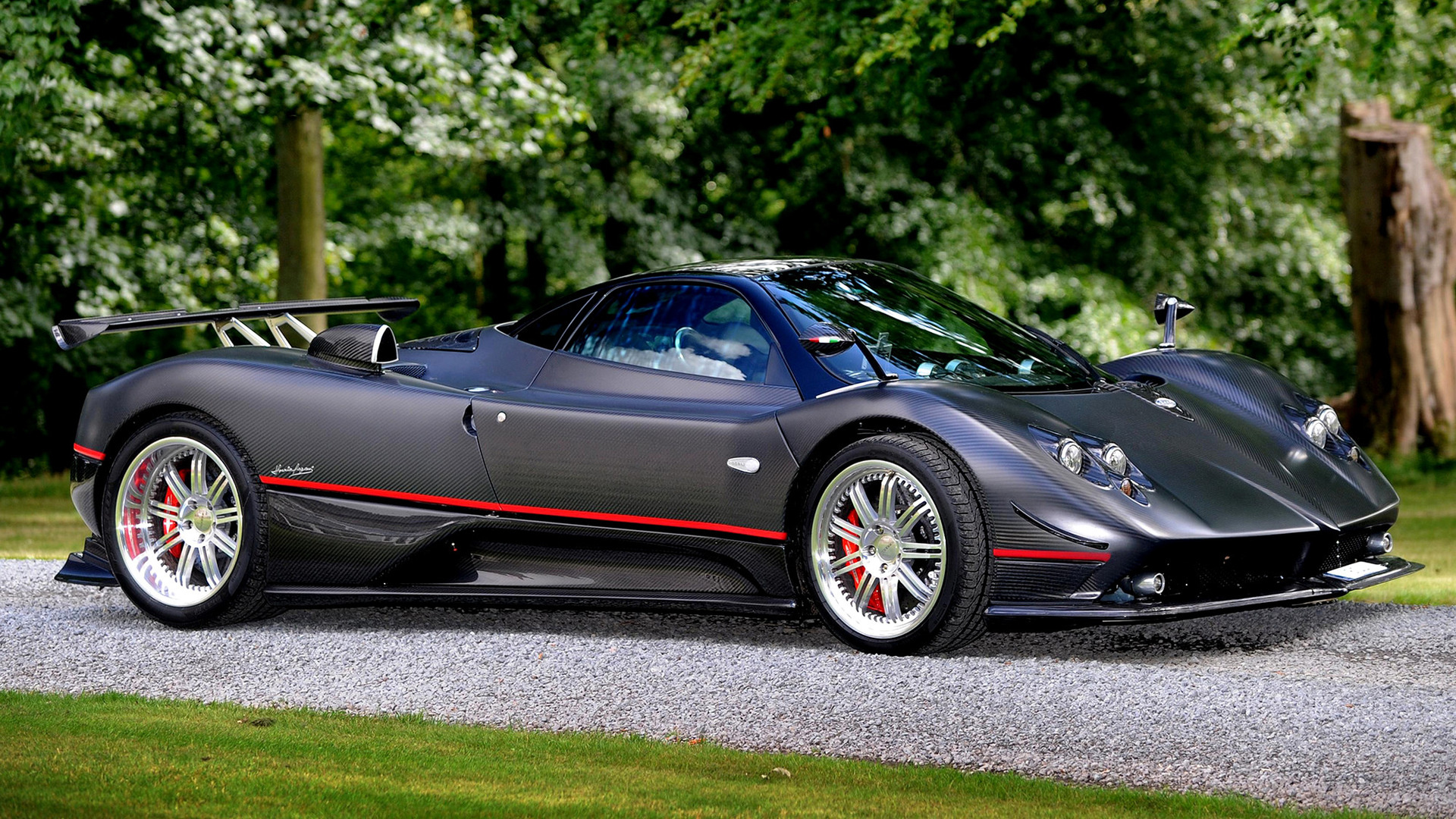 pagani zonda f 2005 wallpapers and hd images car pixel. Black Bedroom Furniture Sets. Home Design Ideas