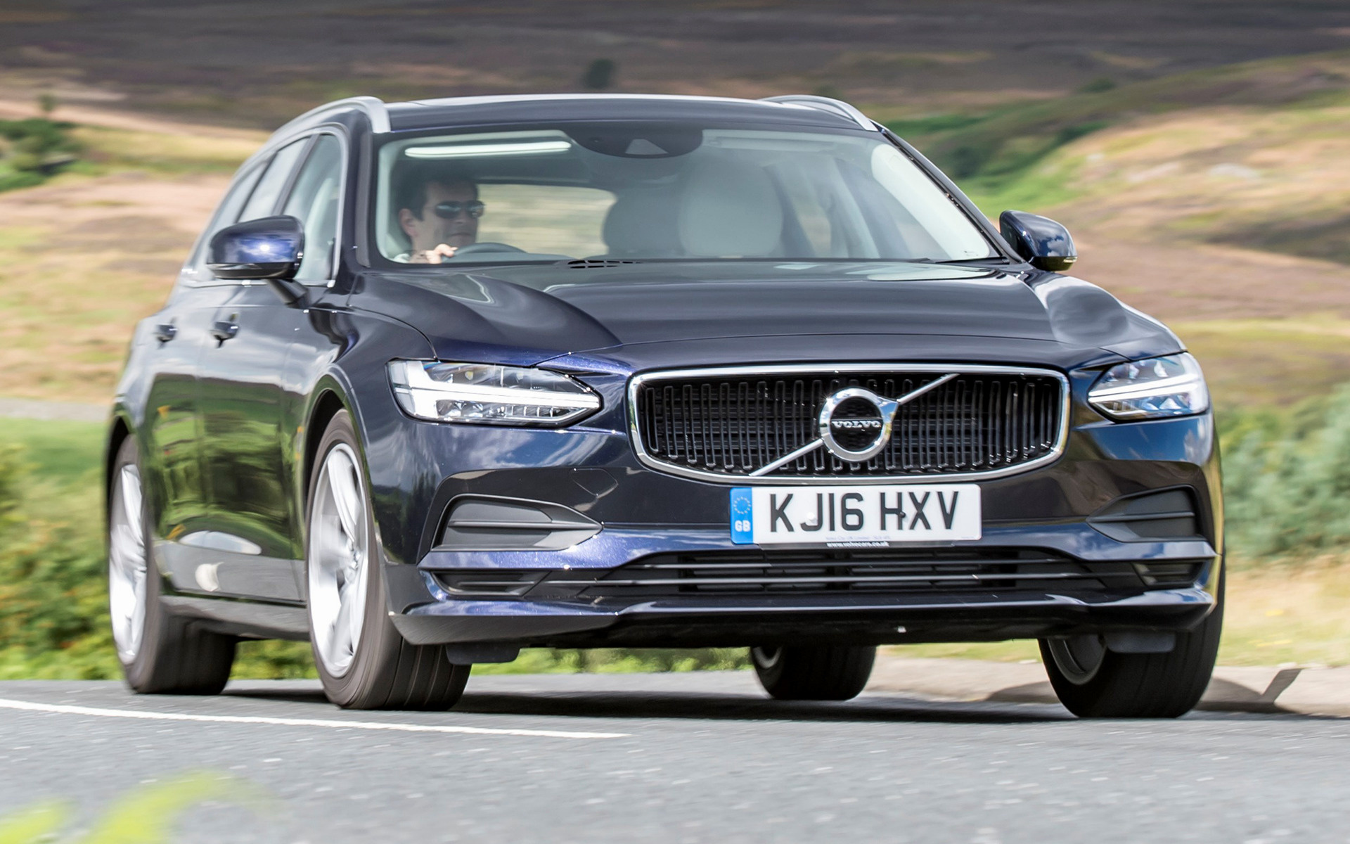 Volvo V90 Momentum (2016) UK Wallpapers and HD Images ...