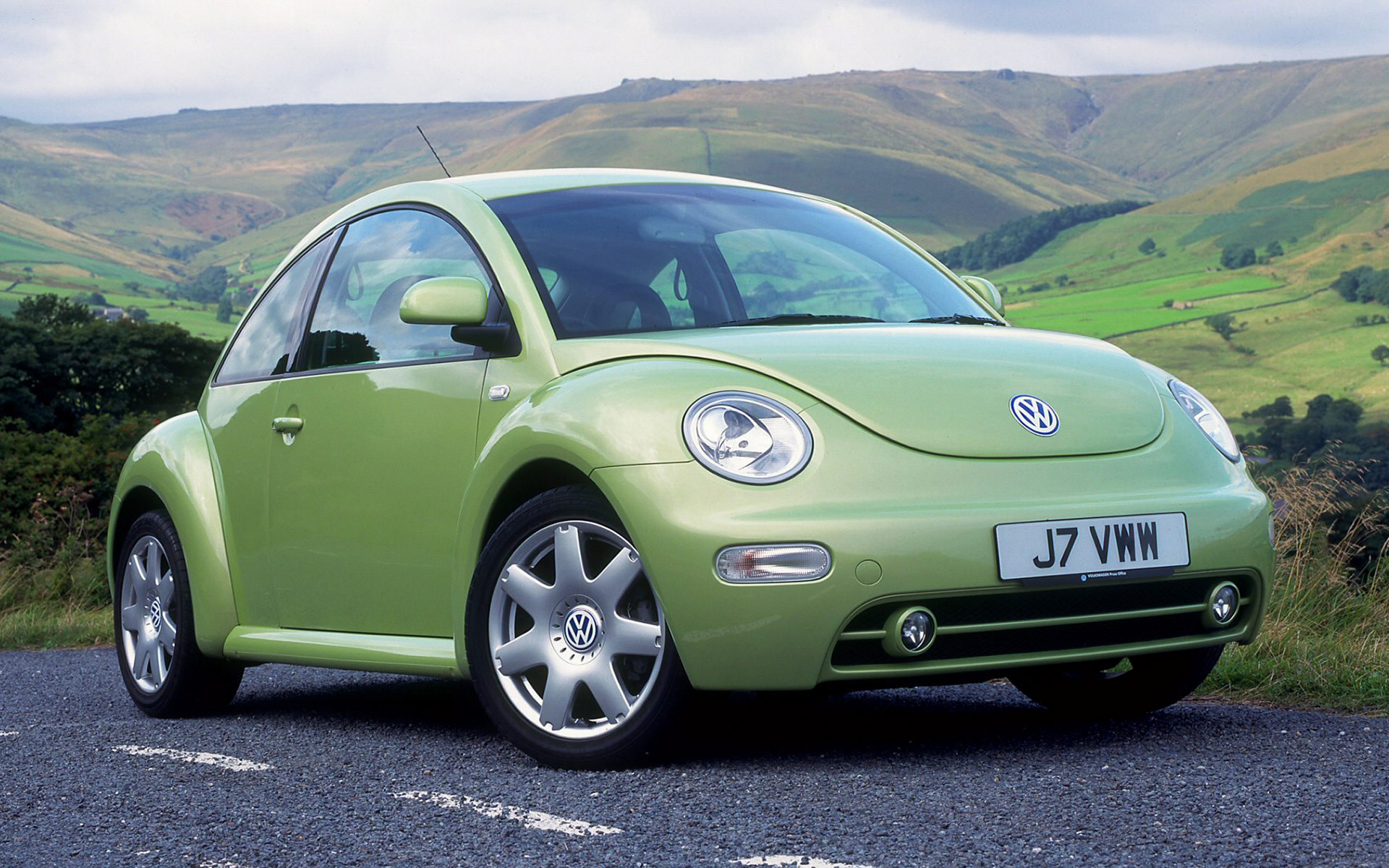 volkswagen new beetle 1998 uk wallpapers and hd images. Black Bedroom Furniture Sets. Home Design Ideas