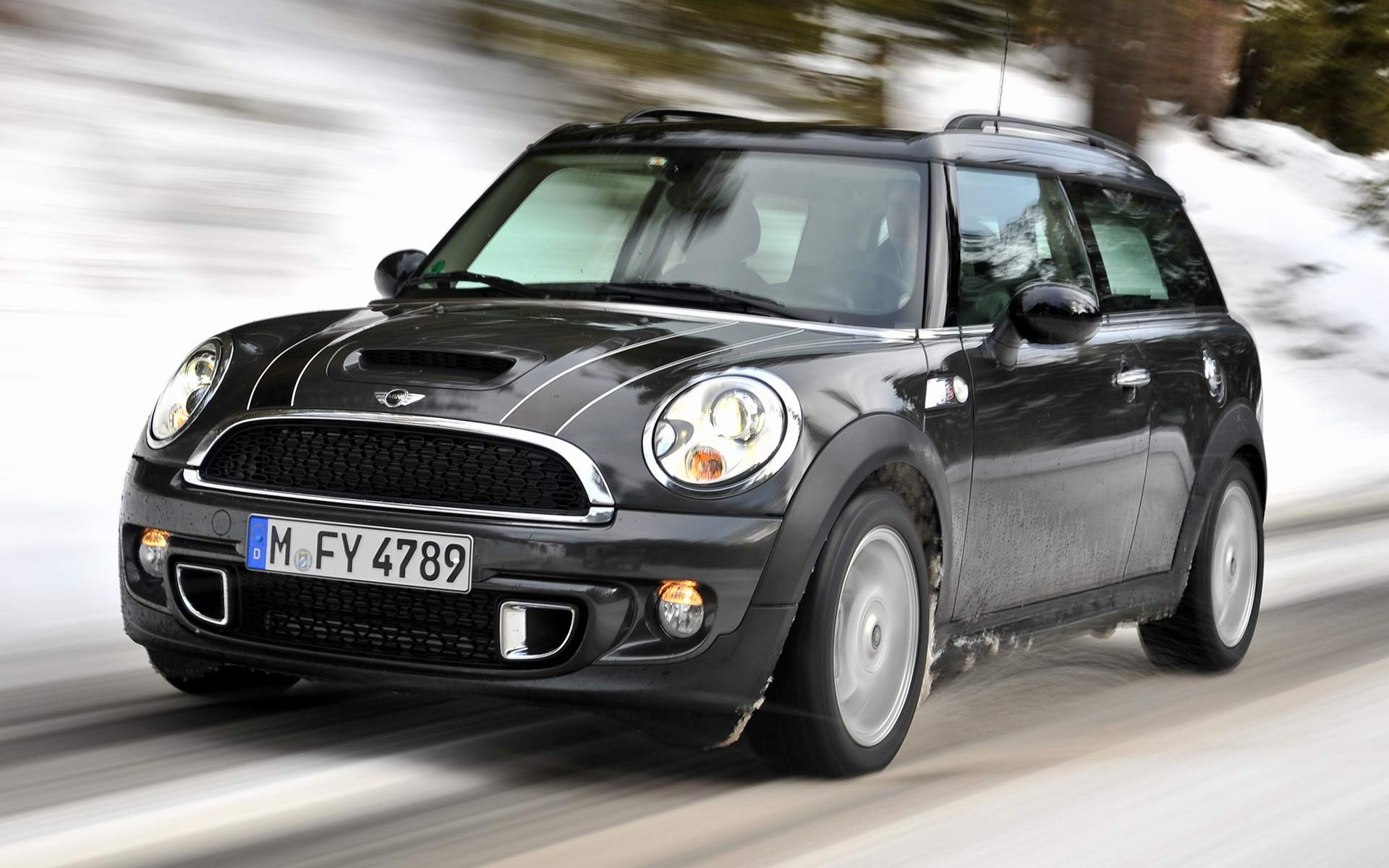 mini cooper s clubman 2010 wallpapers and hd images car pixel. Black Bedroom Furniture Sets. Home Design Ideas