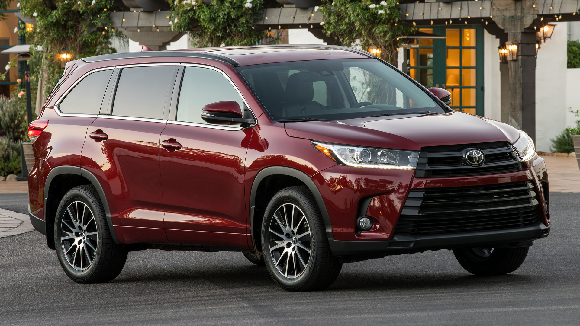 Toyota Highlander Se 2017 Wallpapers And Hd Images Car