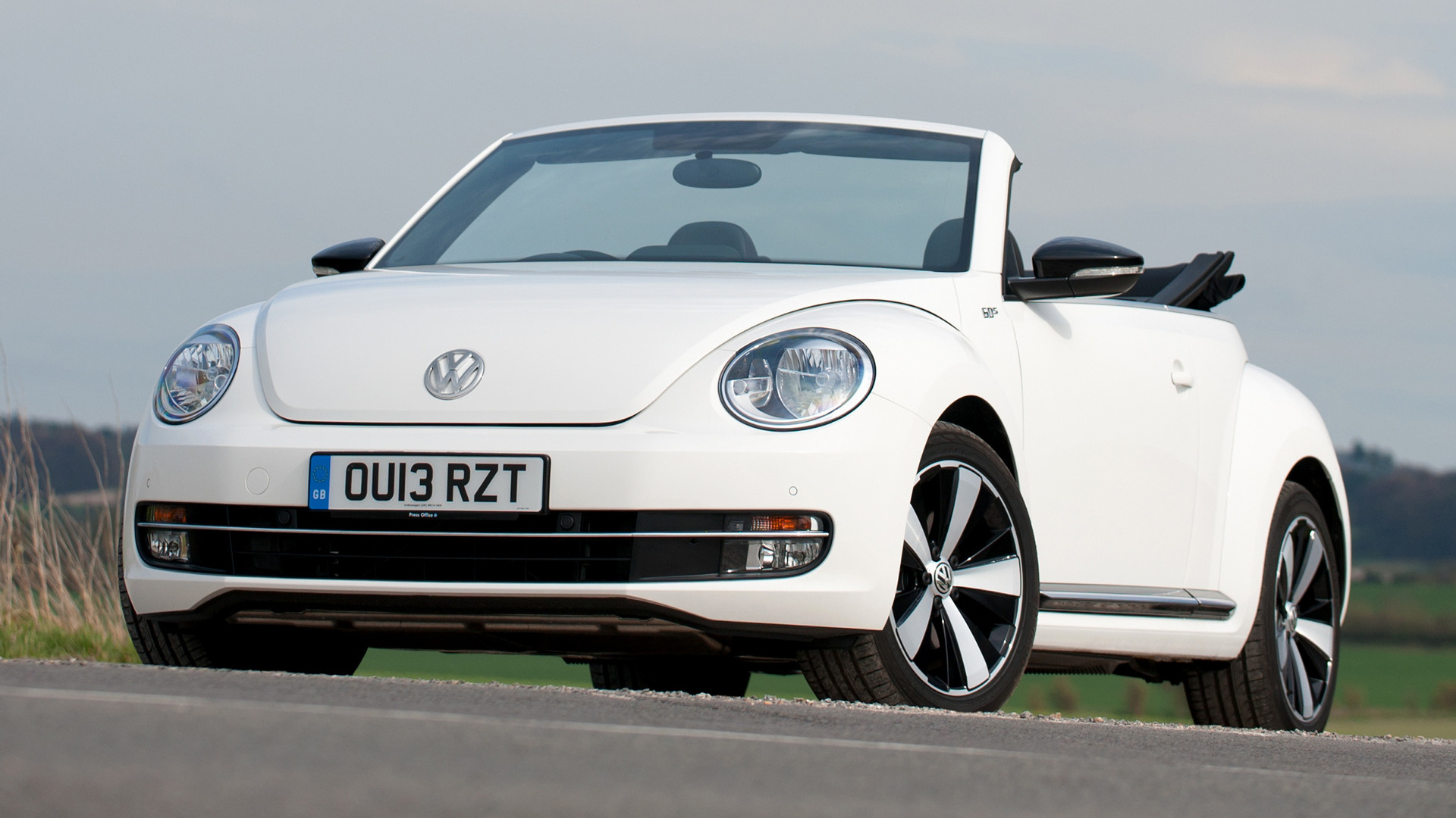 Volkswagen Beetle Cabriolet 60s Edition (2013) UK Wallpapers and HD Images - Car Pixel