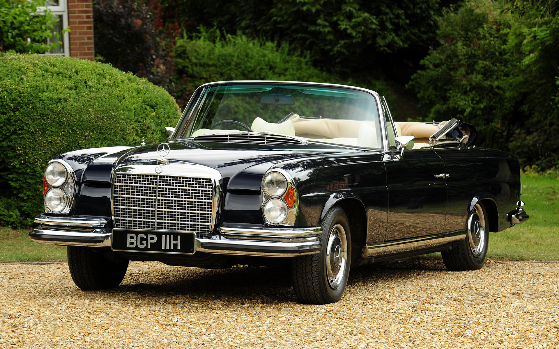 Mercedes benz 280 se cabriolet 1969 uk wallpapers and hd for 1969 mercedes benz 280 se convertible