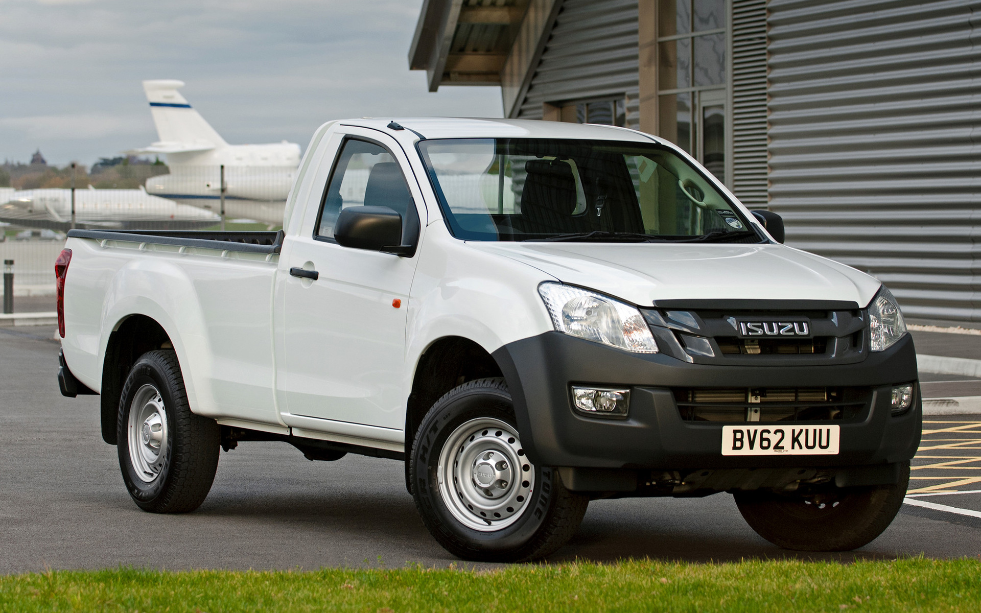 Img Grande also Maxresdefault likewise Audi in addition Maxresdefault besides Maxresdefault. on isuzu d max