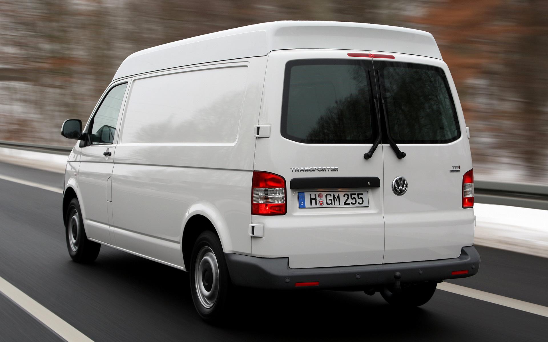 Volkswagen Transporter Panel Van With Medium Roof Lwb