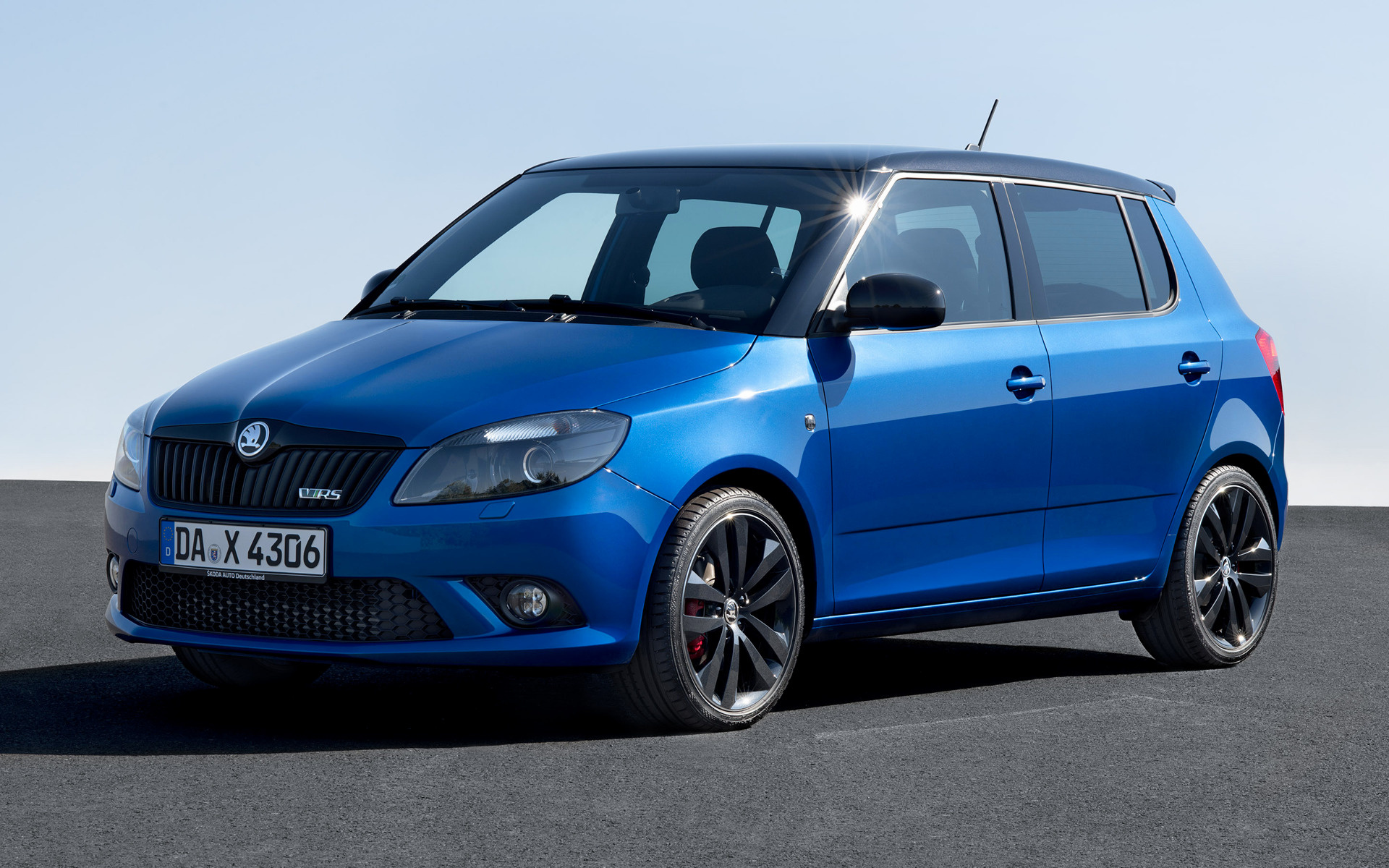 2010 skoda fabia rs wallpapers and hd images car pixel. Black Bedroom Furniture Sets. Home Design Ideas