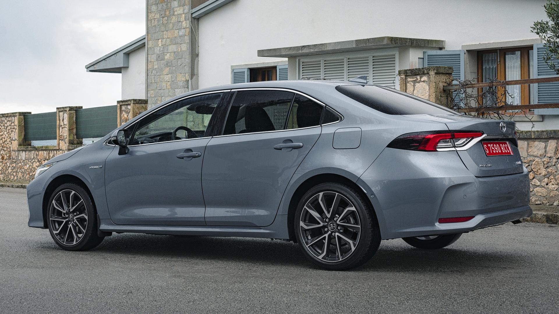 2019 Toyota Corolla Sedan Hybrid Wallpapers And Hd