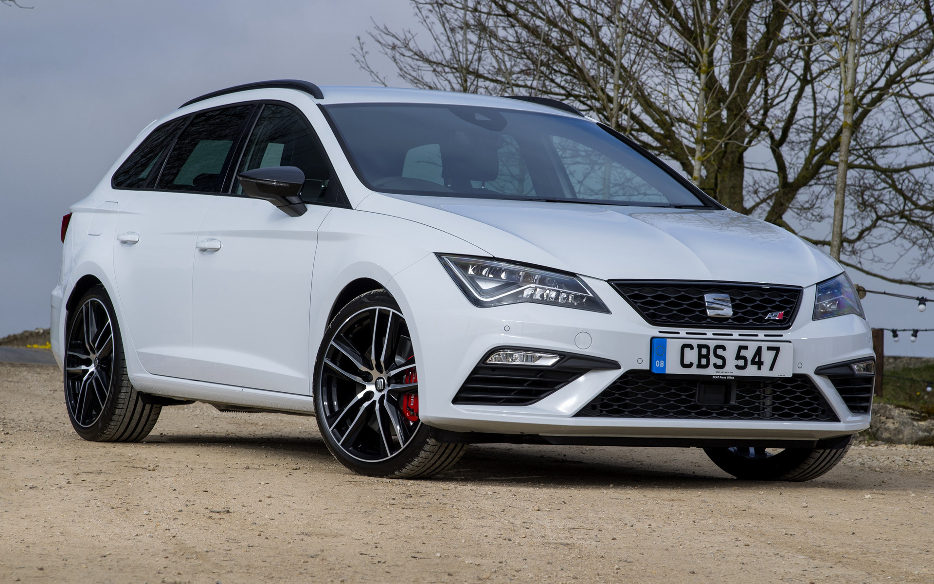 seat leon st cupra 300 2017 uk wallpapers and hd images. Black Bedroom Furniture Sets. Home Design Ideas