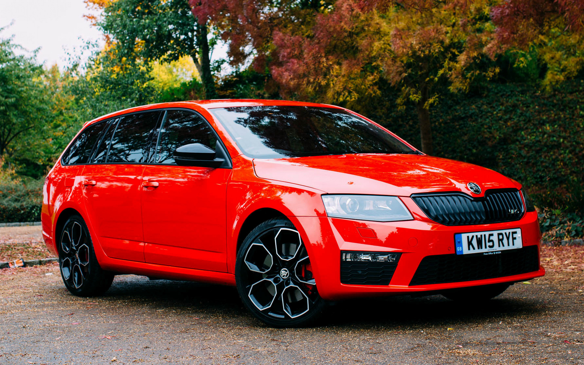 Skoda octavia vrs 230 estate 2015 uk wallpapers and hd for Wallpaper sale uk