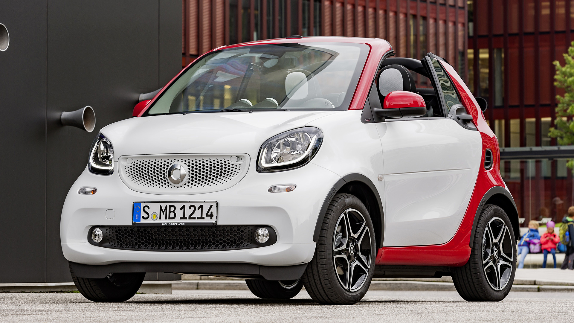 2016 smart fortwo cabrio passion wallpapers and hd images car pixel. Black Bedroom Furniture Sets. Home Design Ideas