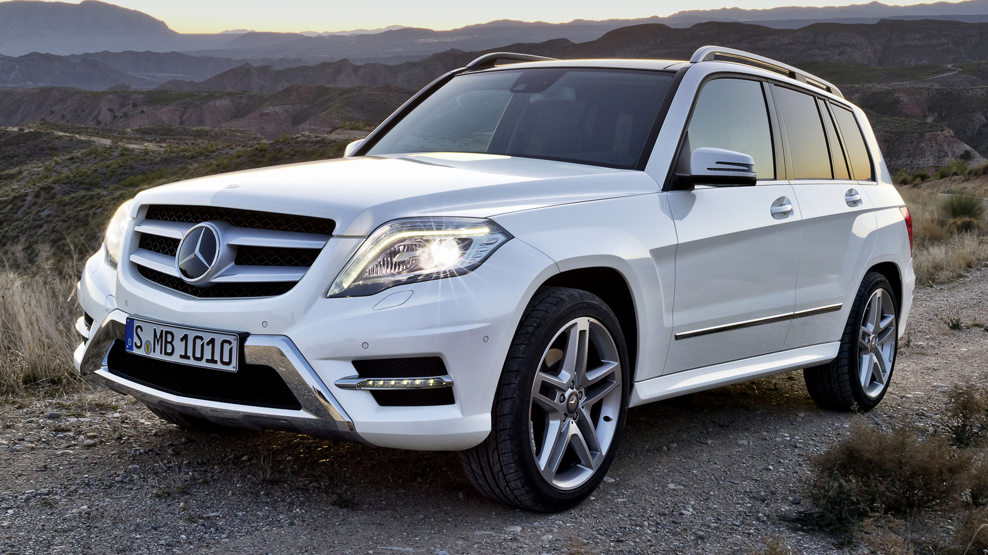 mercedes benz glk class amg styling 2012 wallpapers and hd images car pixel. Black Bedroom Furniture Sets. Home Design Ideas