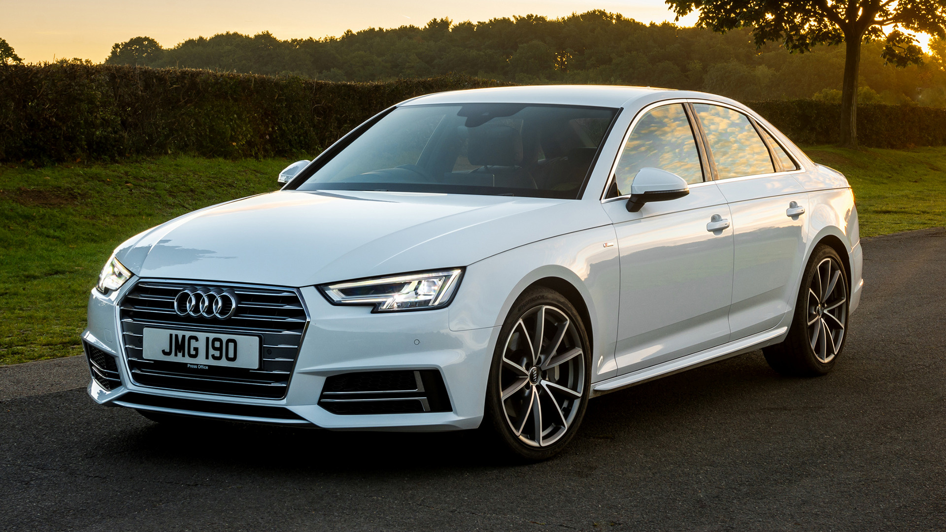 Audi A4 Saloon S line (2015) UK Wallpapers and HD Images ...