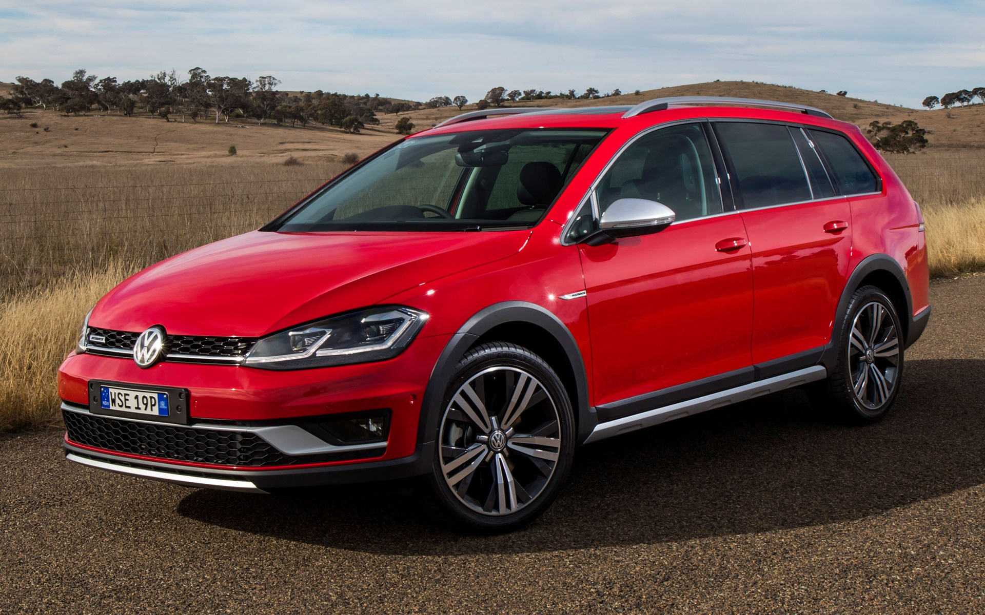 Volkswagen Golf Alltrack 2017 AU Wallpapers And HD Images
