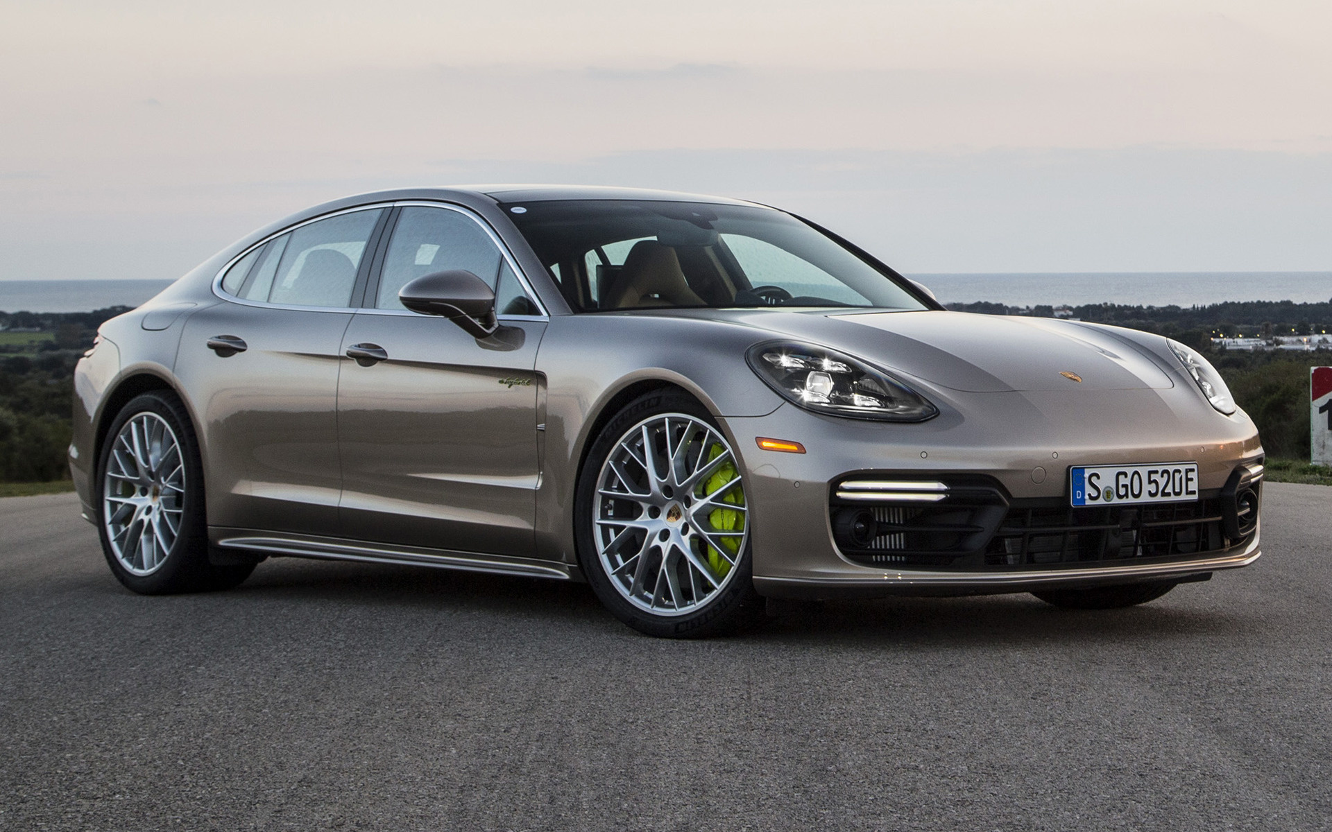 porsche panamera turbo s e hybrid sportdesign package 2018 us wallpapers and hd images car pixel. Black Bedroom Furniture Sets. Home Design Ideas