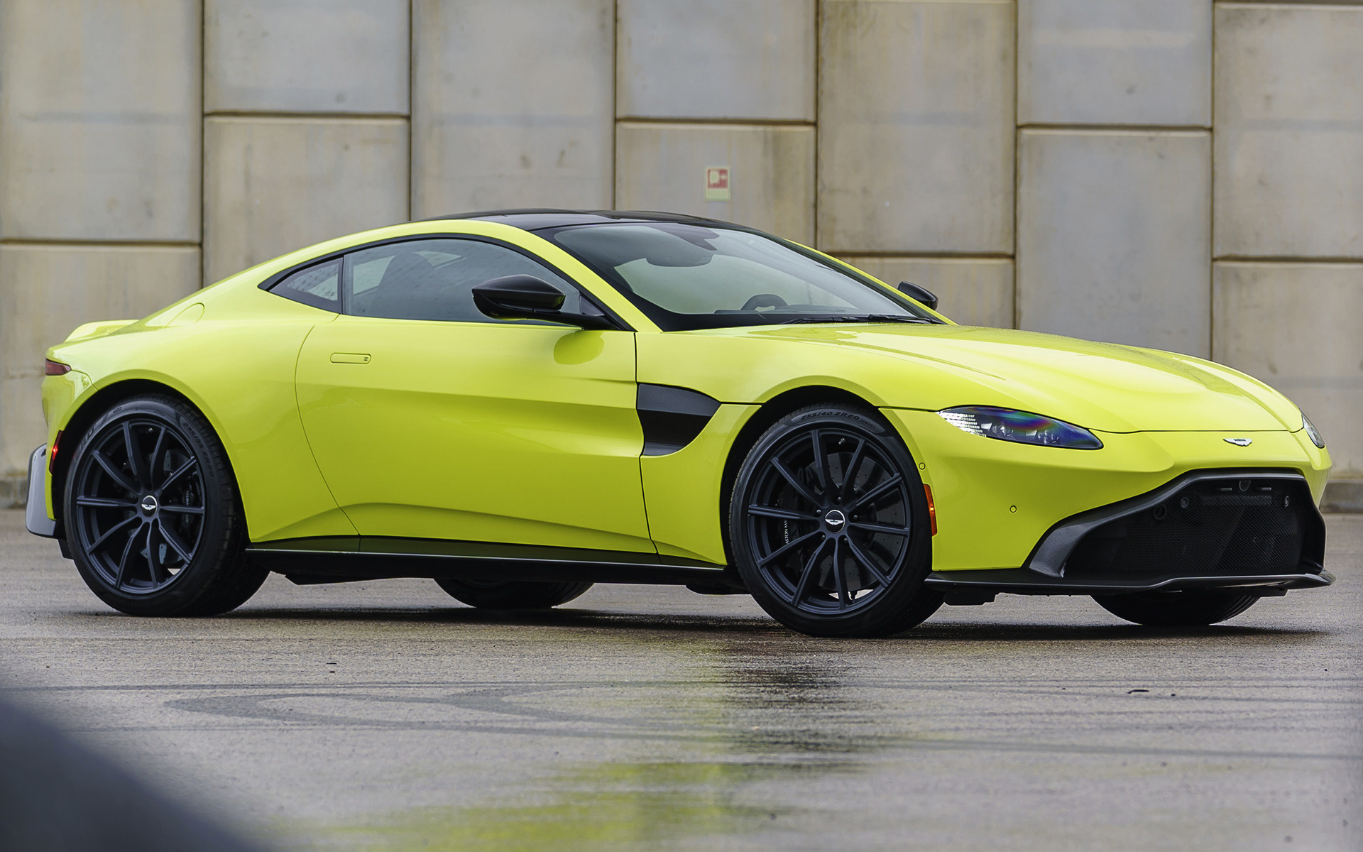 2019 Aston Martin Vantage (US) - Wallpapers and HD Images ...