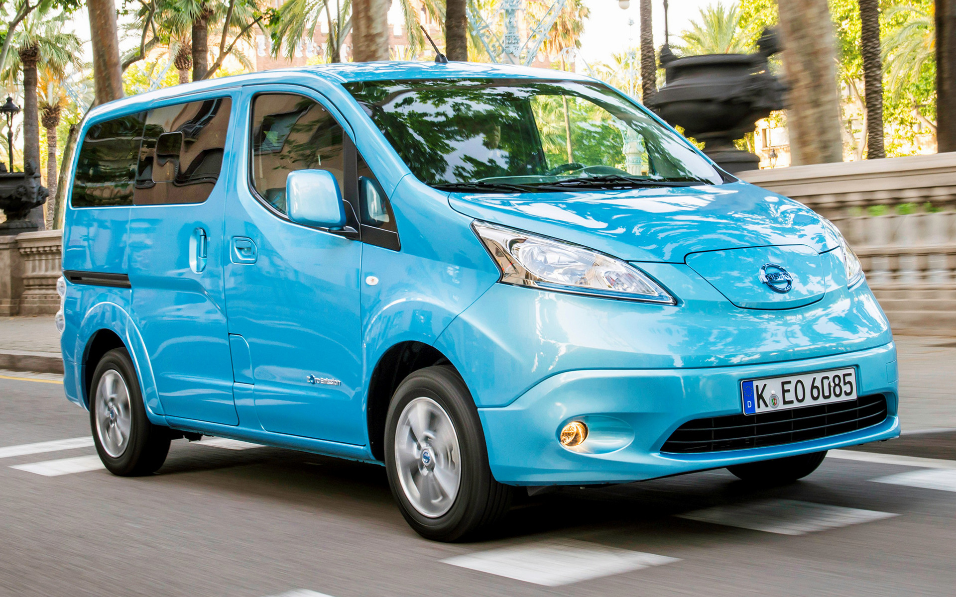 nissan e nv200 evalia 2014 wallpapers and hd images car pixel. Black Bedroom Furniture Sets. Home Design Ideas