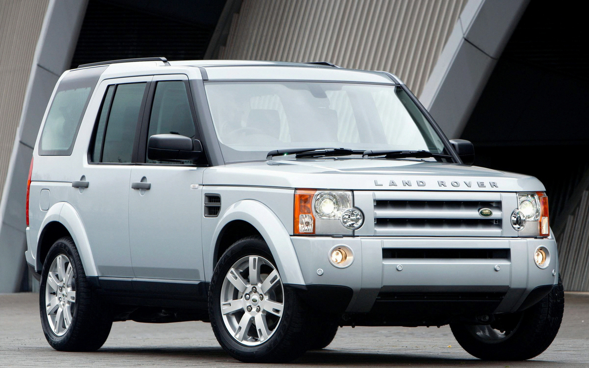 Range Rover Discovery Sport >> 2008 Land Rover Discovery 3 HSE (UK) - Wallpapers and HD Images | Car Pixel