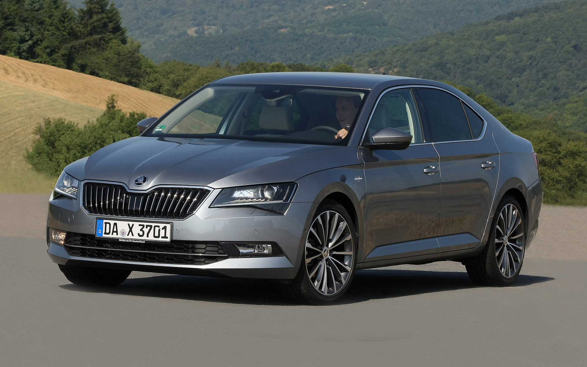 2015 Skoda Superb Laurin Amp Klement Wallpapers And Hd
