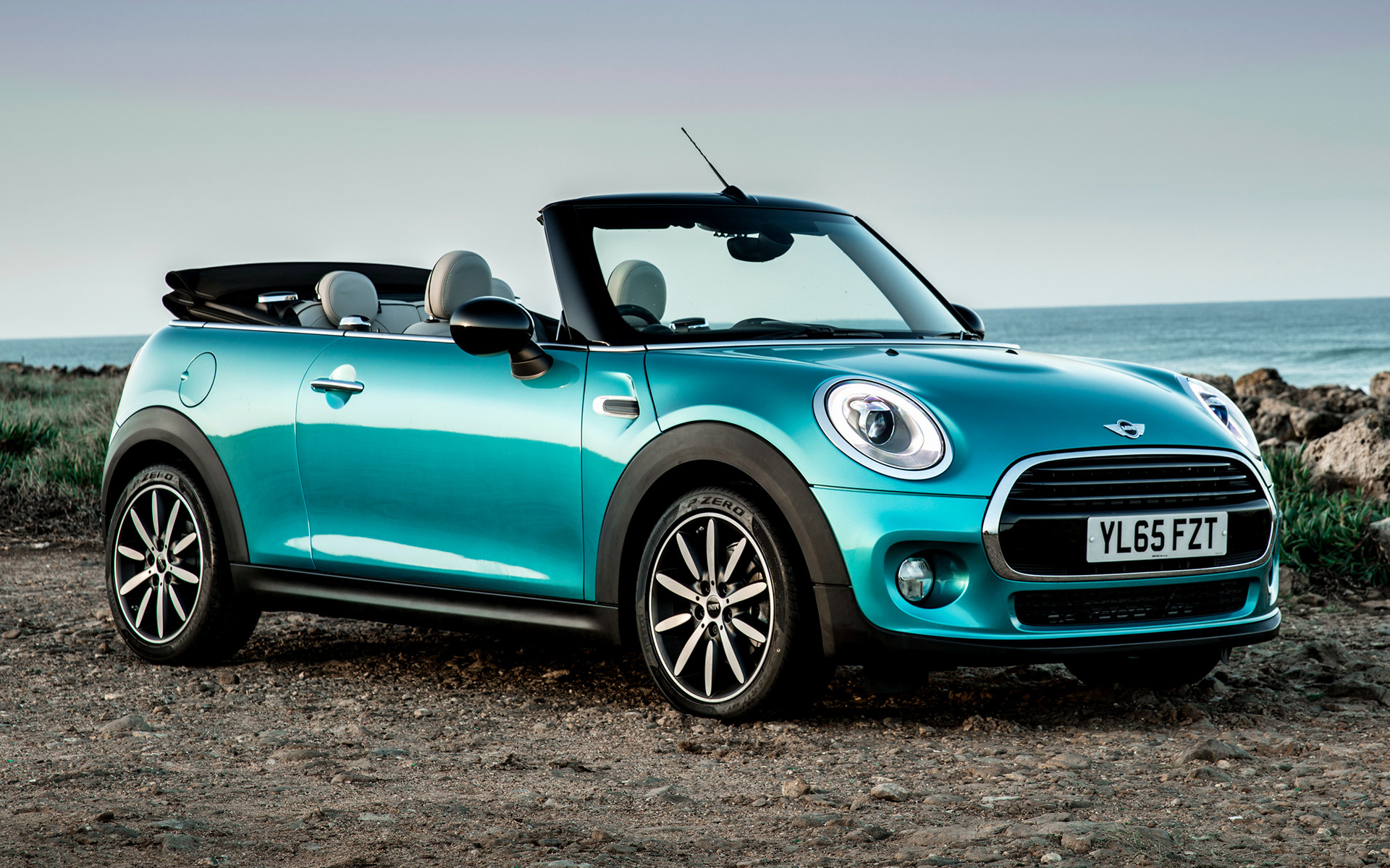 mini cooper convertible 2016 uk wallpapers and hd images. Black Bedroom Furniture Sets. Home Design Ideas