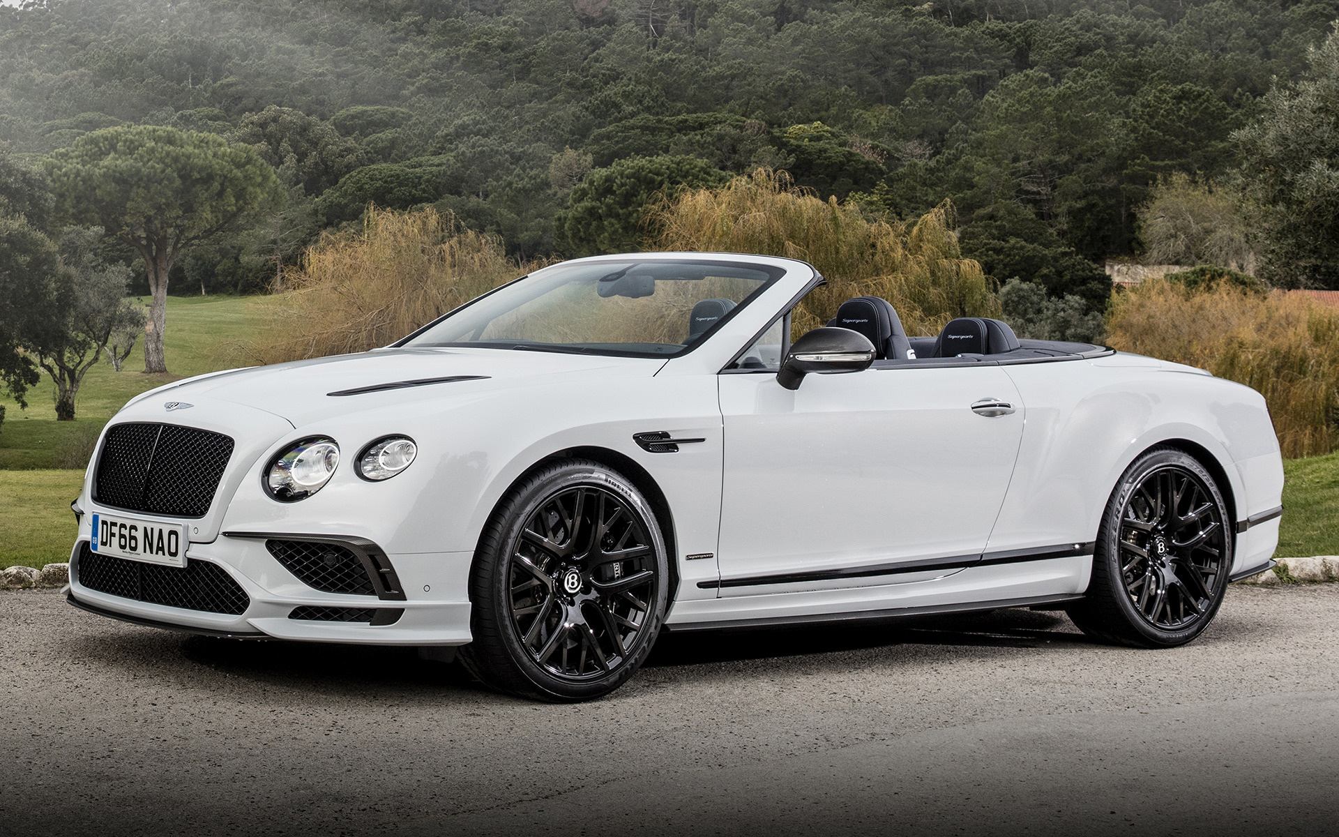 bentley continental supersports convertible 2017 wallpapers and hd images car pixel. Black Bedroom Furniture Sets. Home Design Ideas