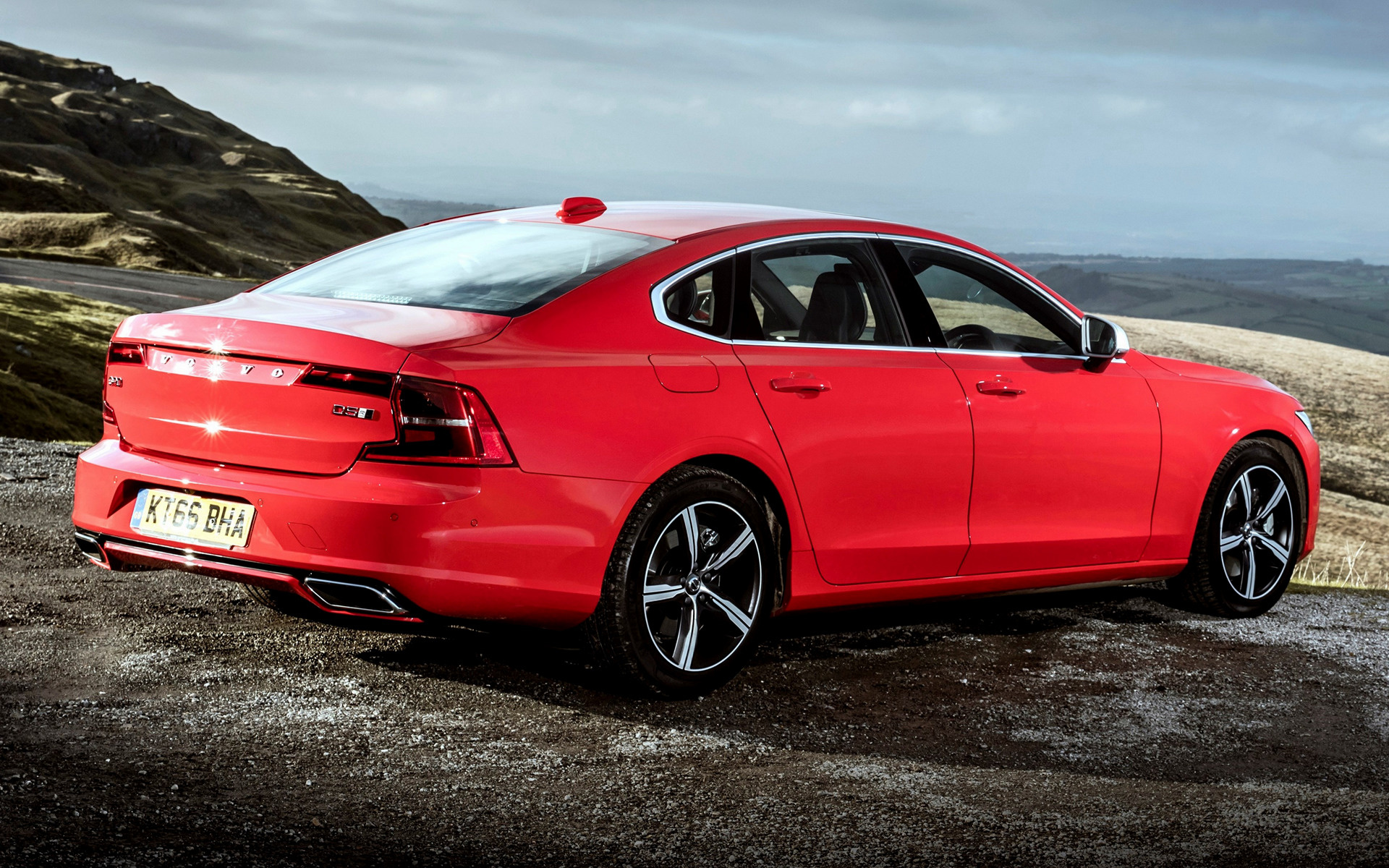 2017 Volvo S90 R Design Uk Wallpapers And Hd Images